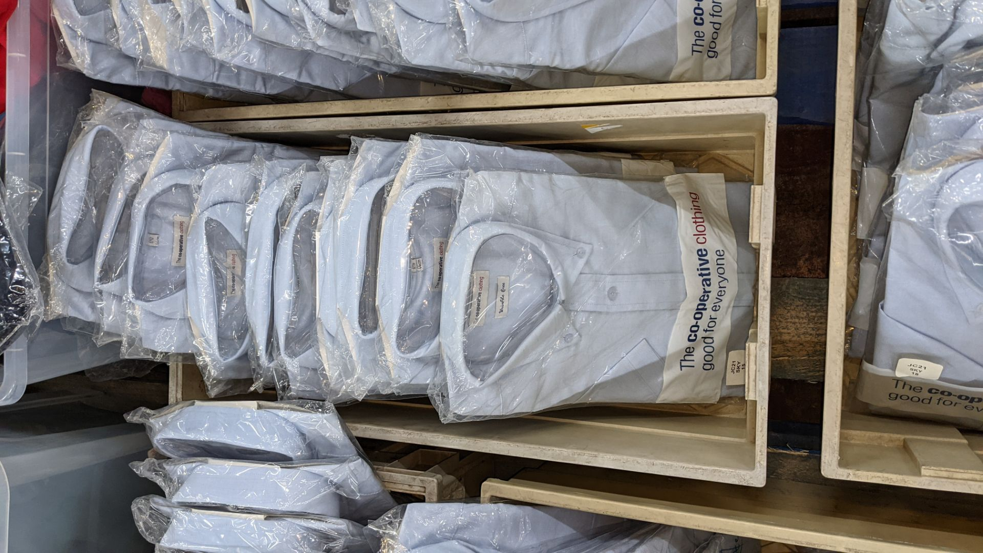 Approx 35 off blue short sleeve shirts with button down collars - the contents of 3 crates. NB cra - Image 4 of 5