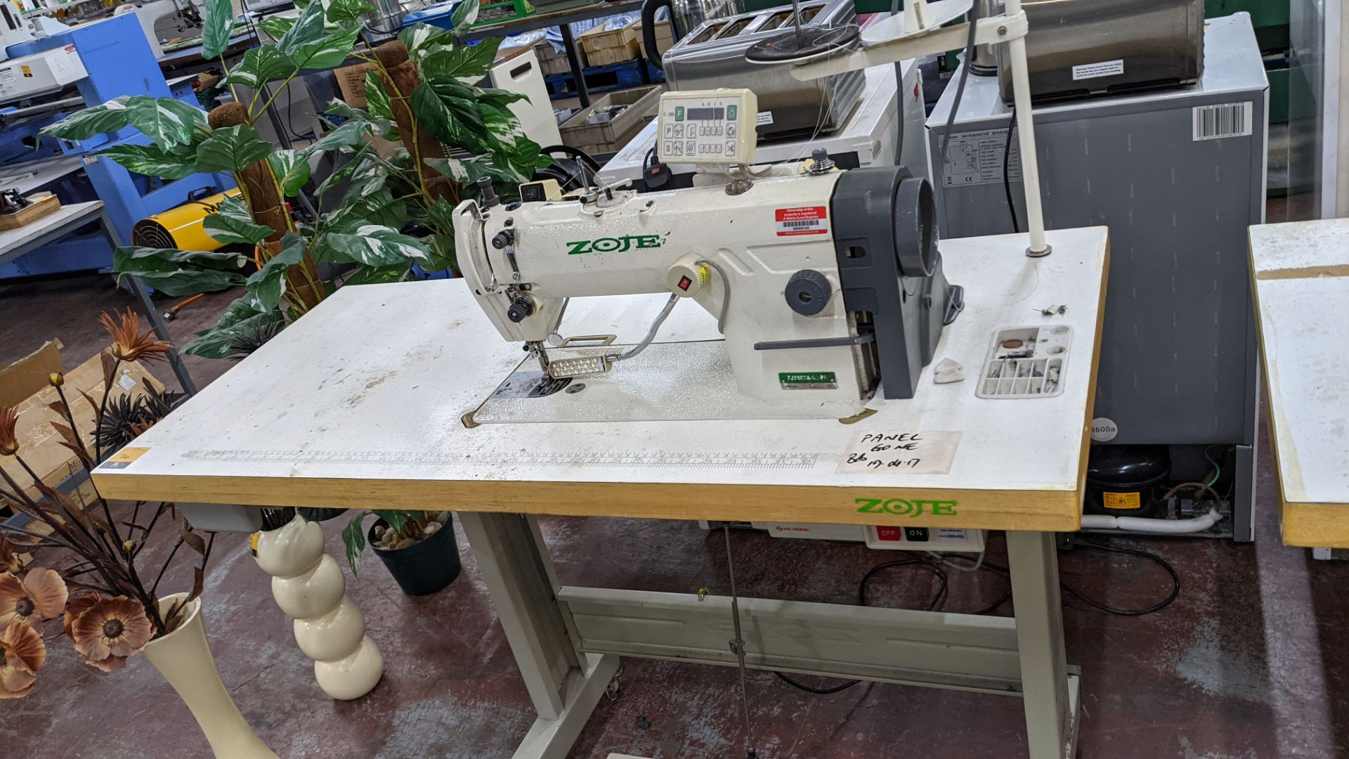 Zoje model ZJ8800A-D3/PF sewing machine with model C-200 digital controller - Image 2 of 15