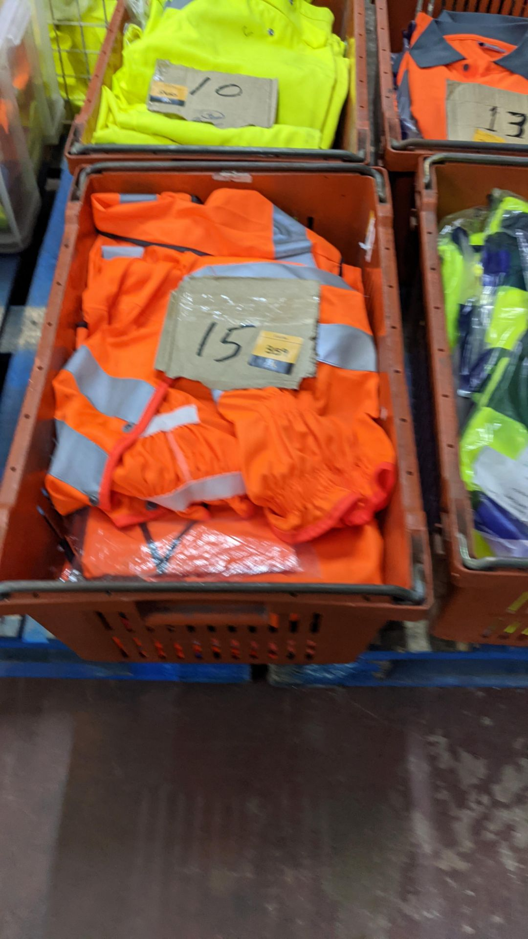 15 off assorted hi-vis garments - Image 3 of 4