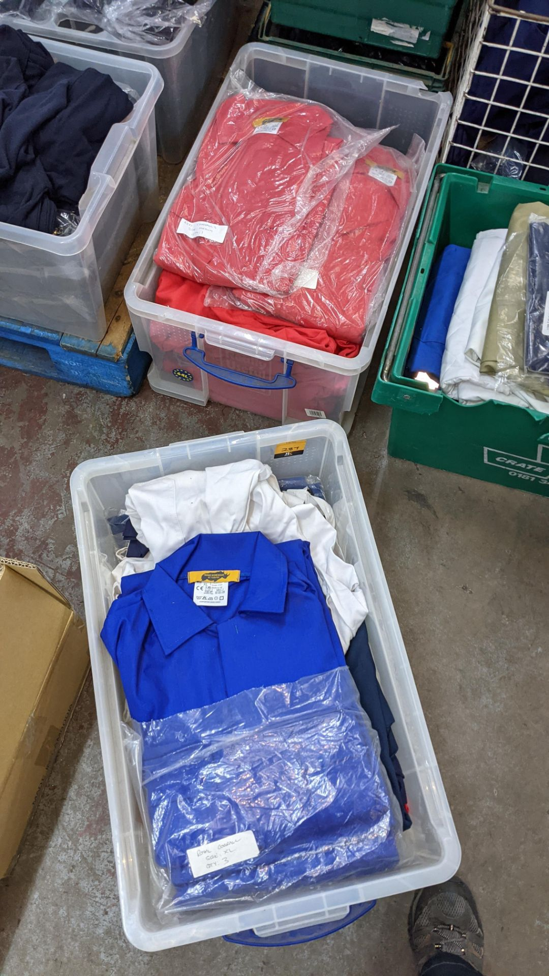 The contents of 2 crates of assorted boiler suits & similar. NB crates excluded - Image 5 of 5
