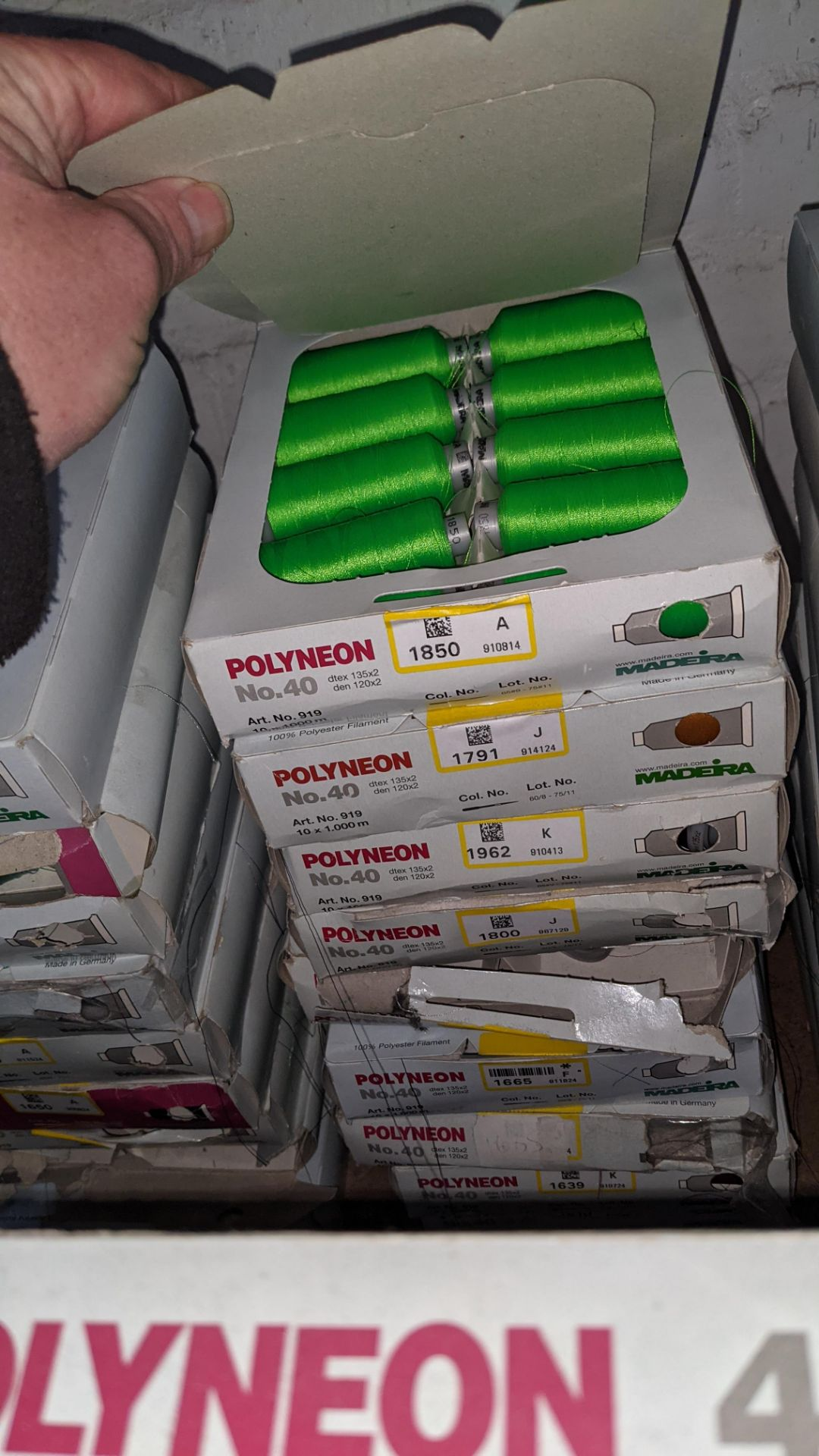 18 boxes of Madeira No. 40 Polyneon embroidery thread - Image 6 of 6