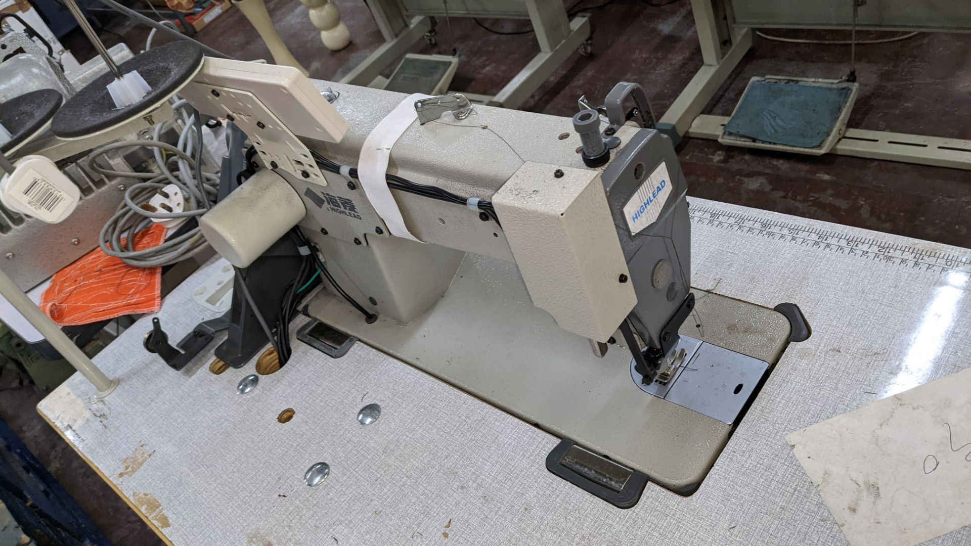 Highlead model GC128-M-D3 sewing machine - Image 12 of 18