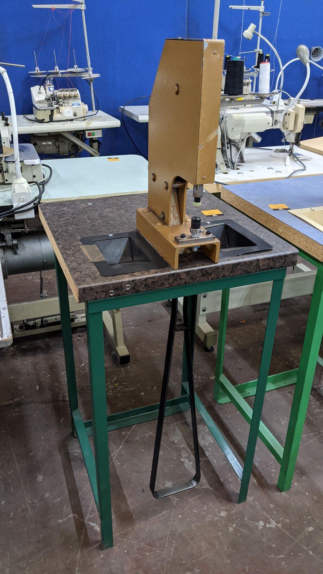 Foot operated riveting machine/press stud machine - Image 9 of 9