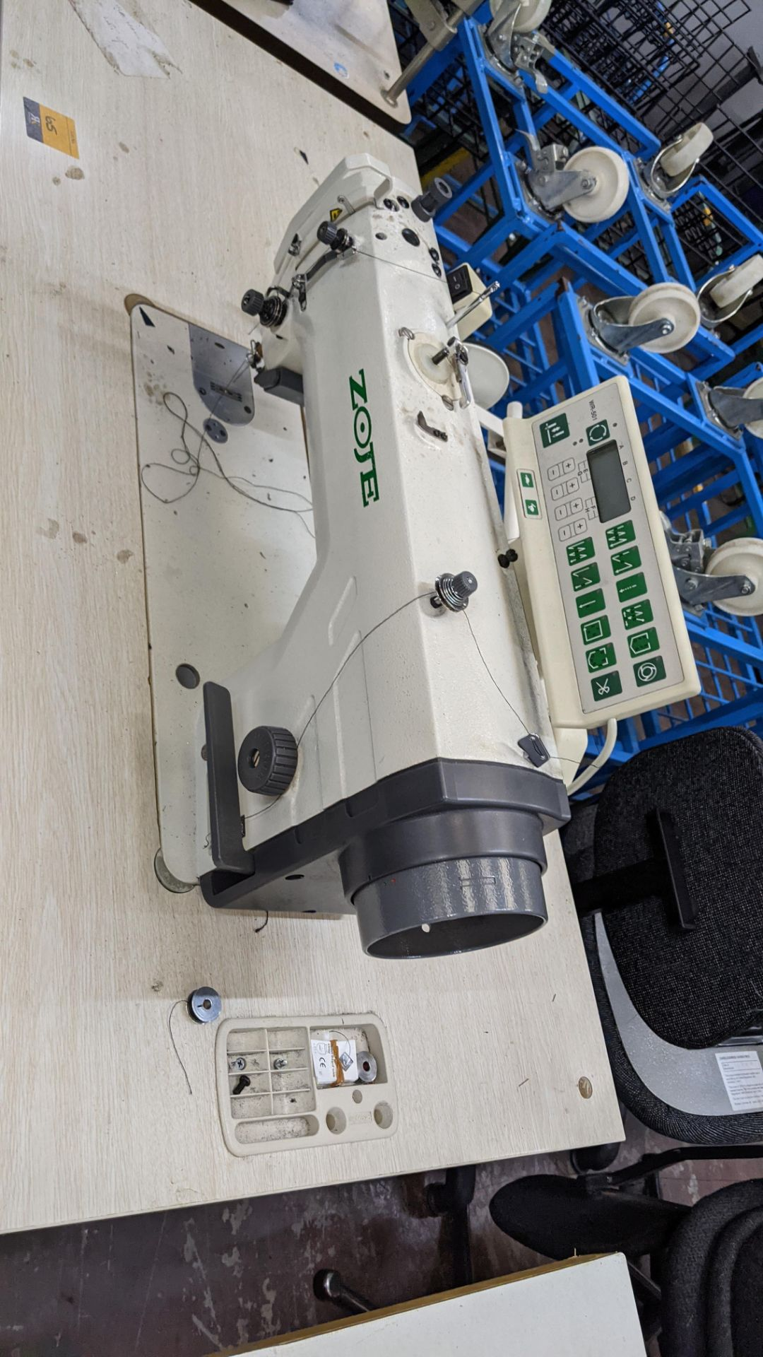 Zoje model ZJ9800A-D3B/PF sewing machine with WR-501 controller - Image 5 of 17