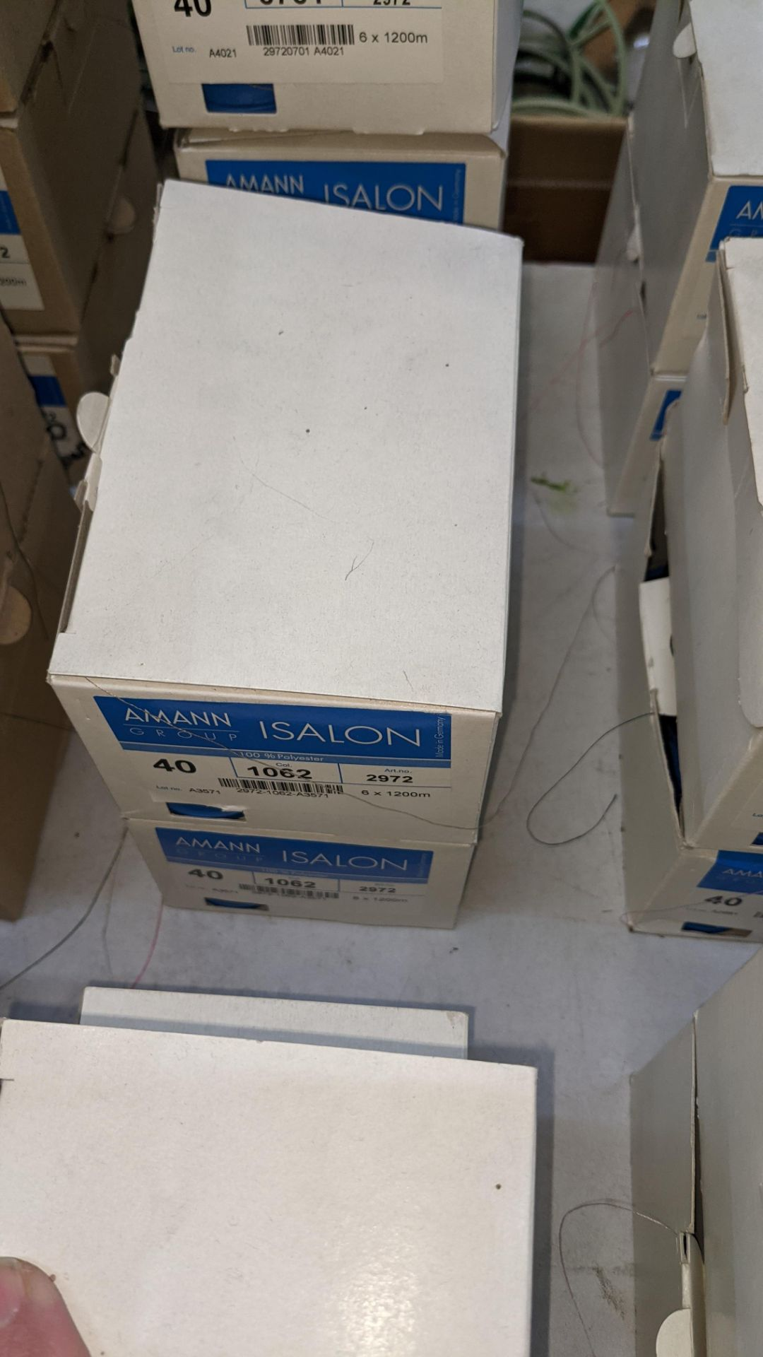 13 boxes of Amann Group ISALON 40 polyester embroidery thread - Image 7 of 10