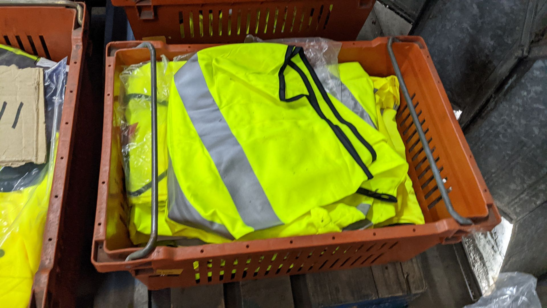 20 off yellow hi-vis vests - Image 3 of 5