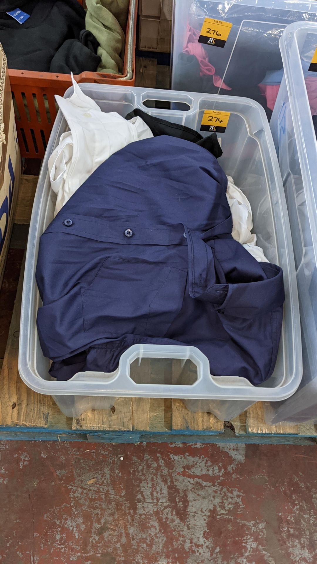 The contents of a crate of shirts. NB crate excluded - Image 2 of 6