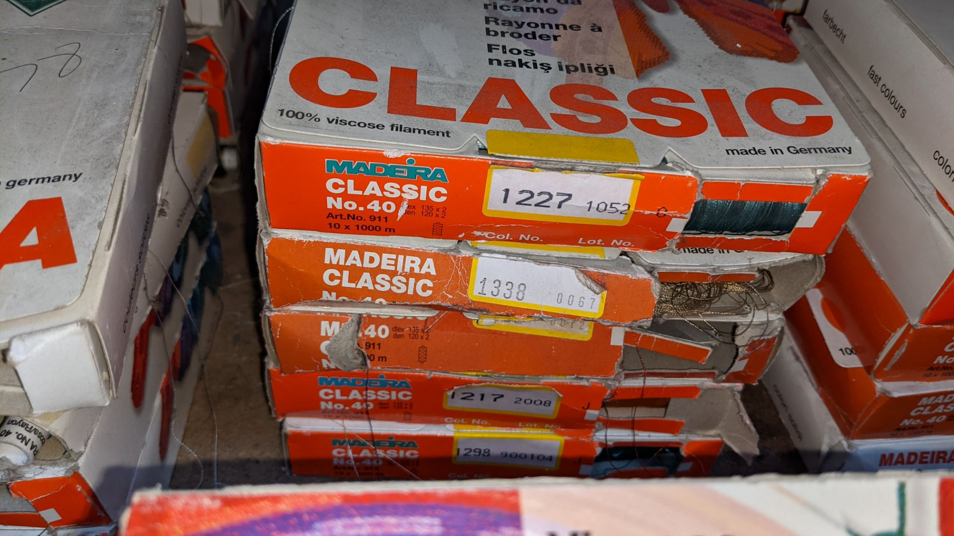 15 assorted boxes of Madeira Classic No. 40 embroidery rayon thread - Image 4 of 8