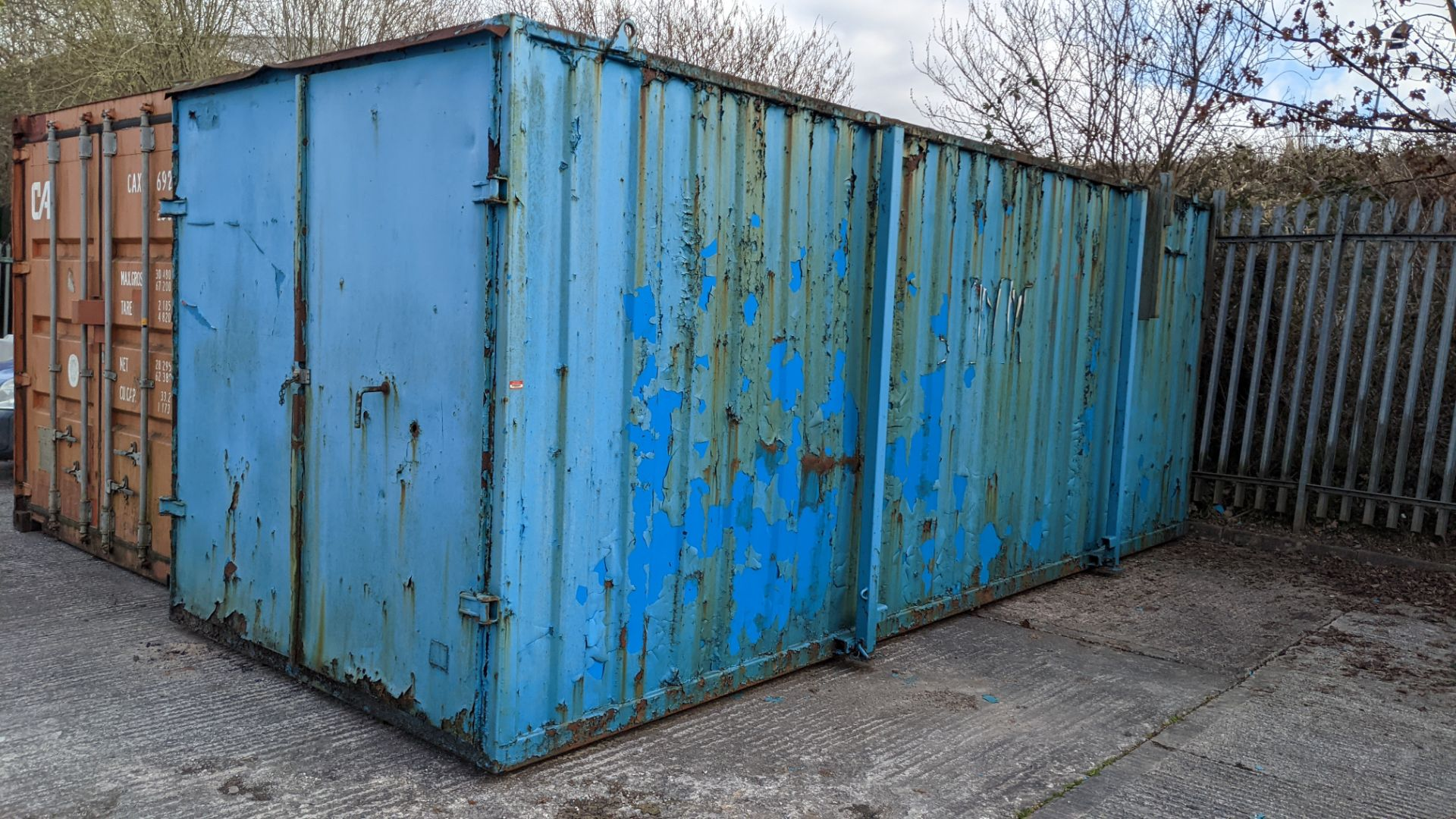 Blue metal container with jack legs & doors at one end. Max external dimensions (excluding legs) ap - Image 3 of 21