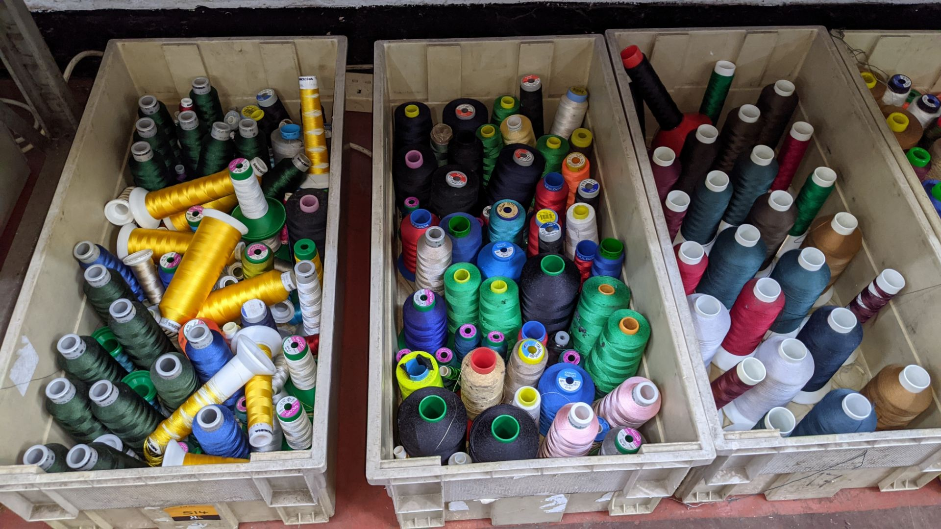 The contents of 3 large crates of assorted thread - Image 6 of 6