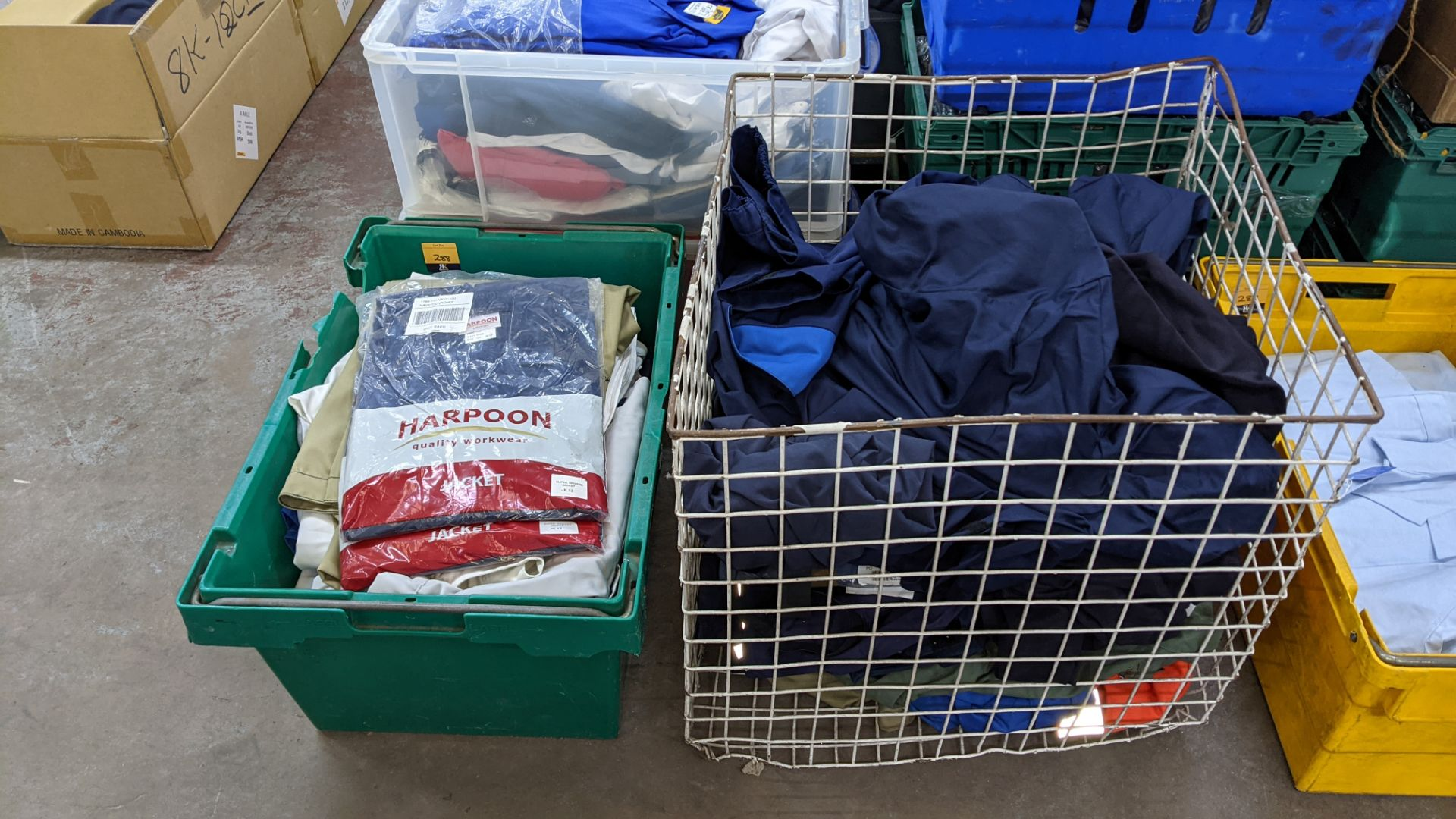 The contents of 1 crate & 1 large cage of assorted workwear jackets & similar. NB crate/cage exclu - Image 2 of 11