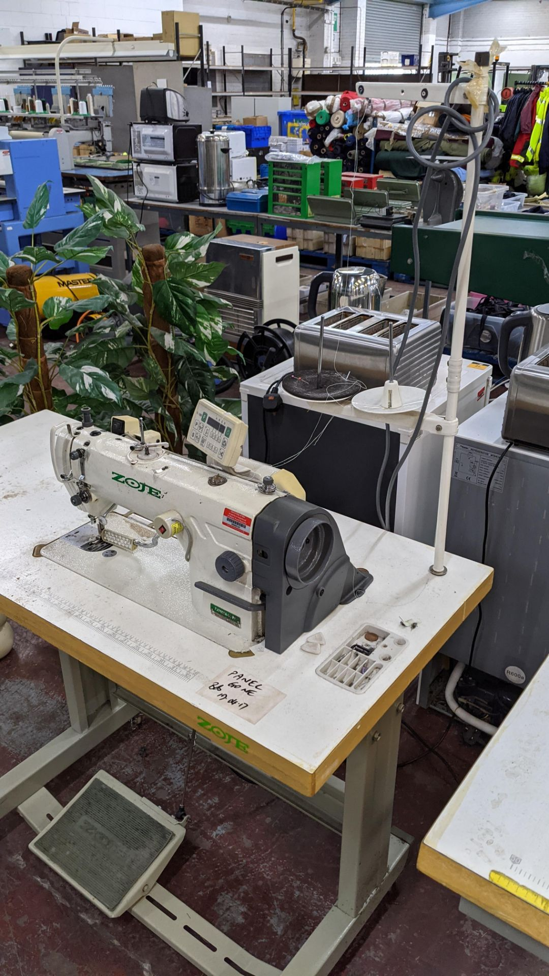 Zoje model ZJ8800A-D3/PF sewing machine with model C-200 digital controller - Image 3 of 15