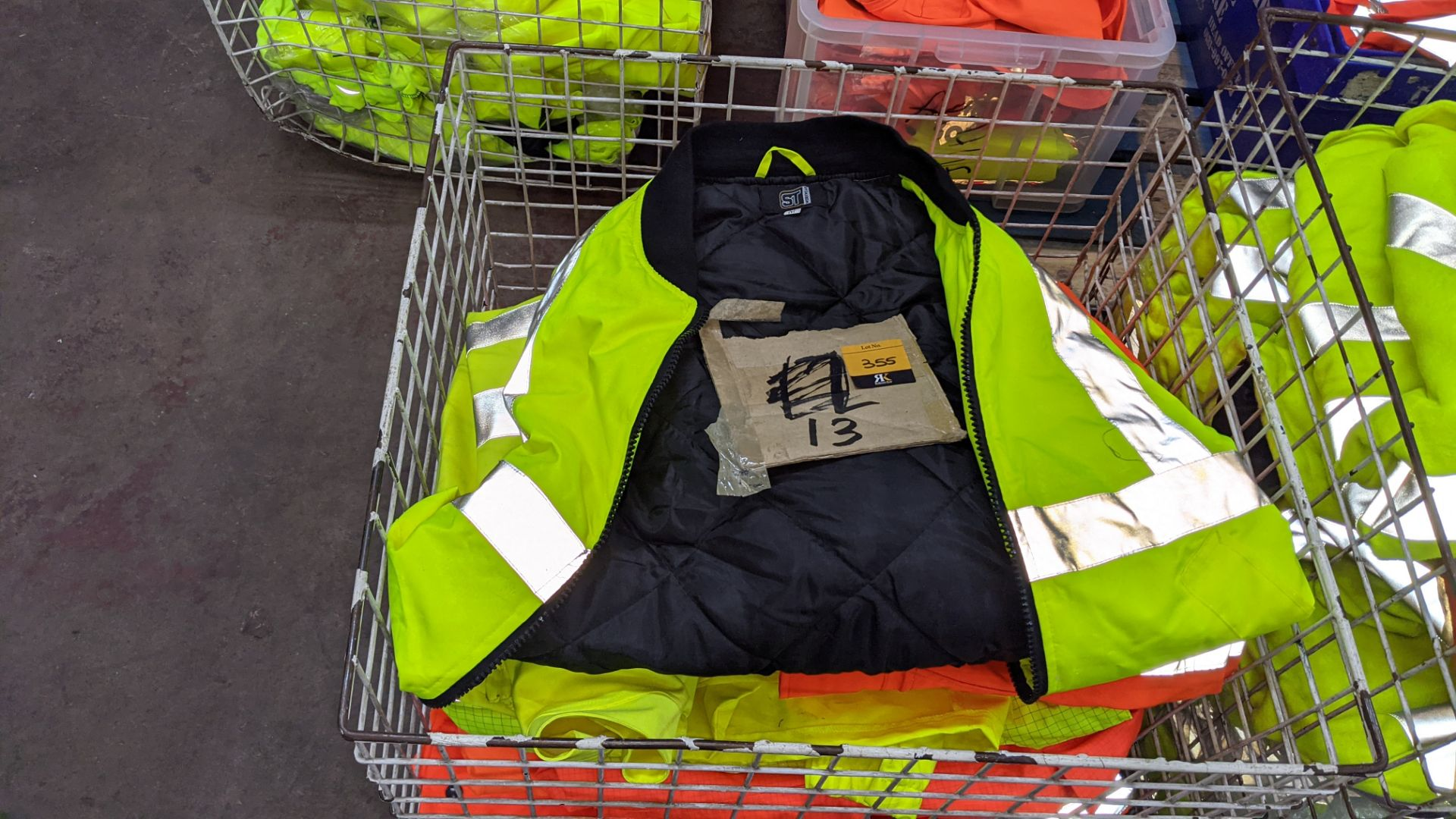 13 off assorted hi-vis jackets - Image 3 of 4