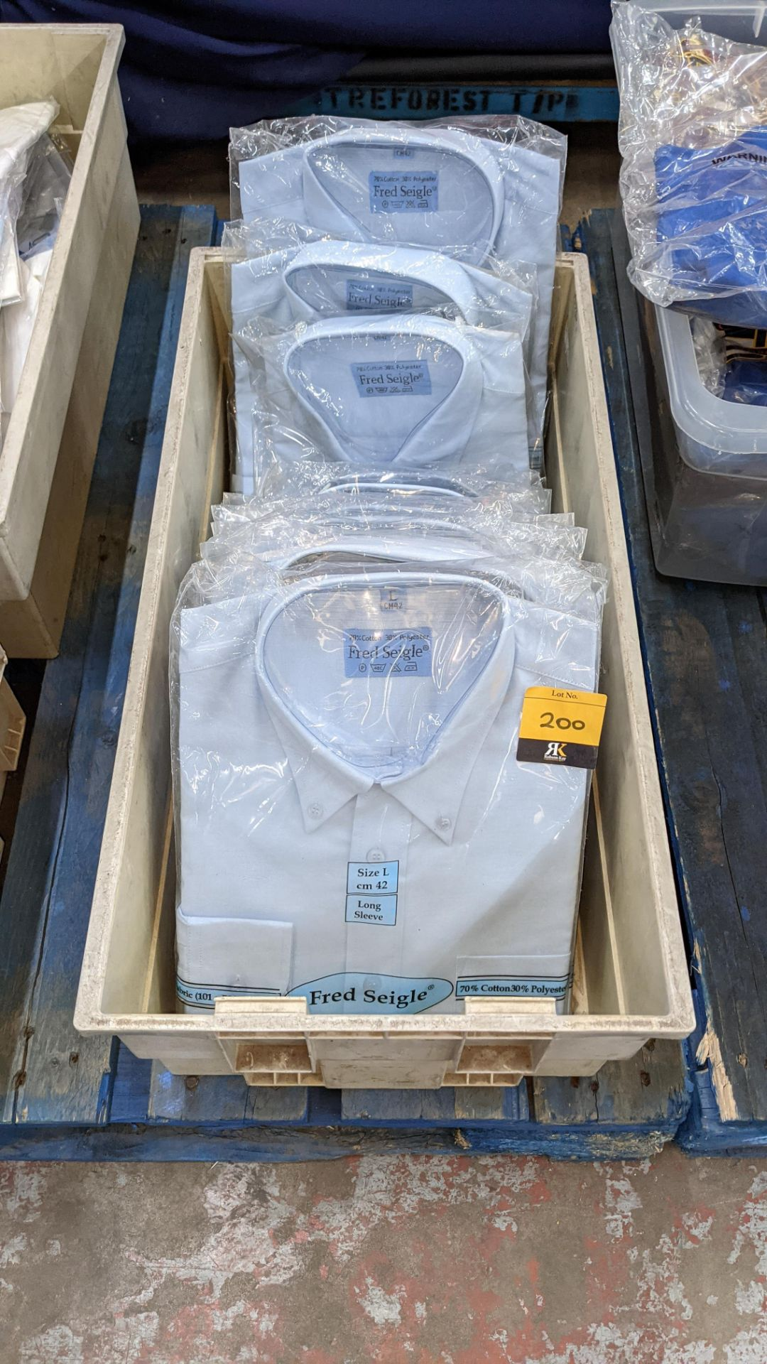 Approx 10 off Fred Seigle blue long sleeve button down collar shirts
