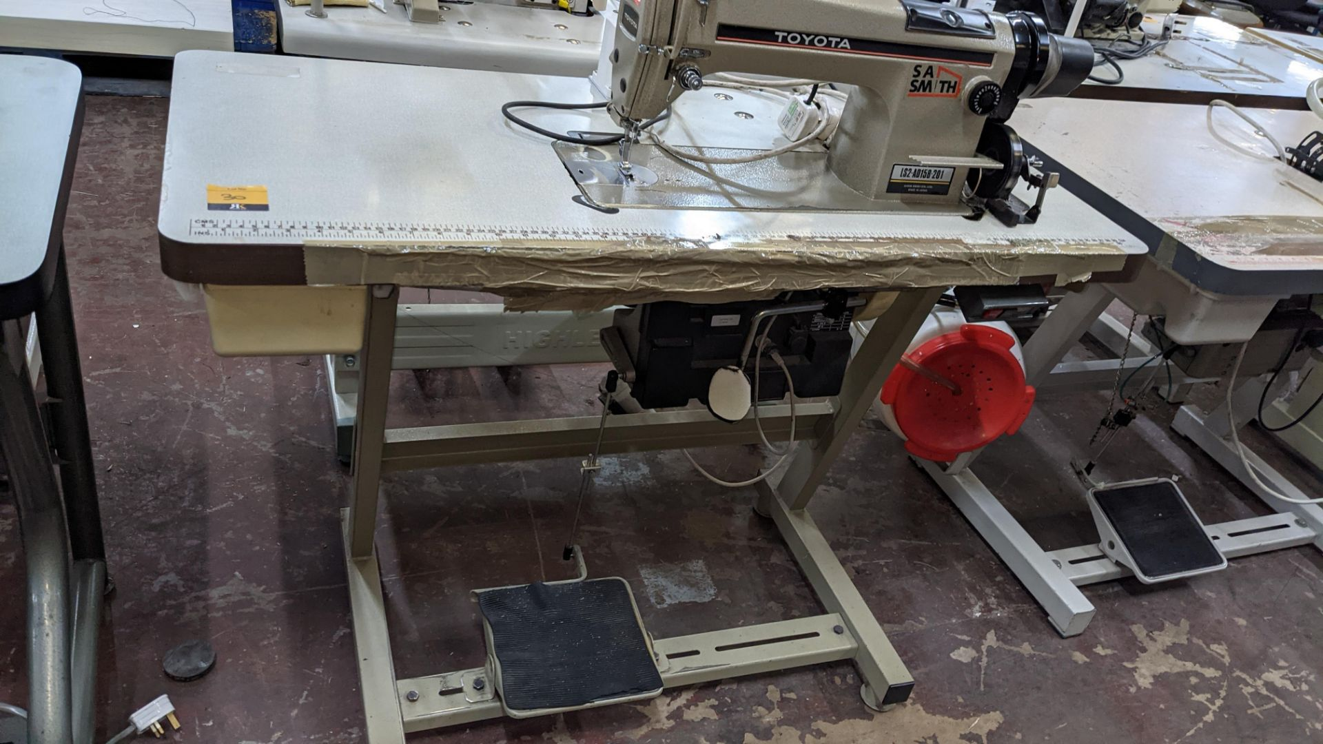Toyota sewing machine - Image 13 of 17