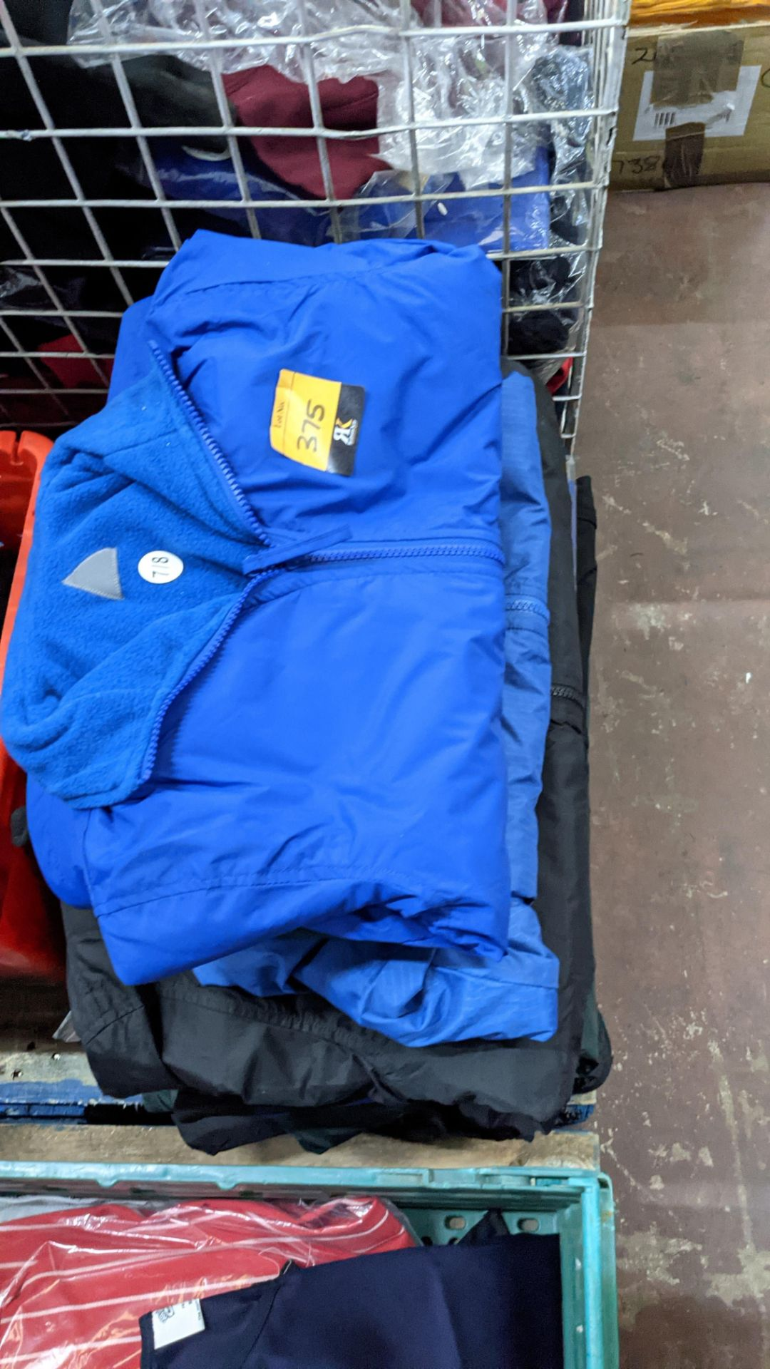 Approx 10 off assorted children's zip up jackets - Image 6 of 6
