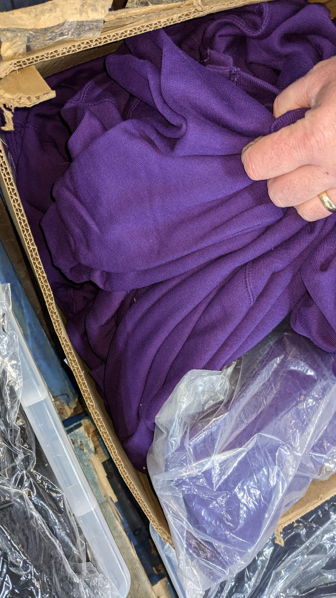 Quantity of Russell children's purple button up sweat tops - 1 large box - Image 4 of 4