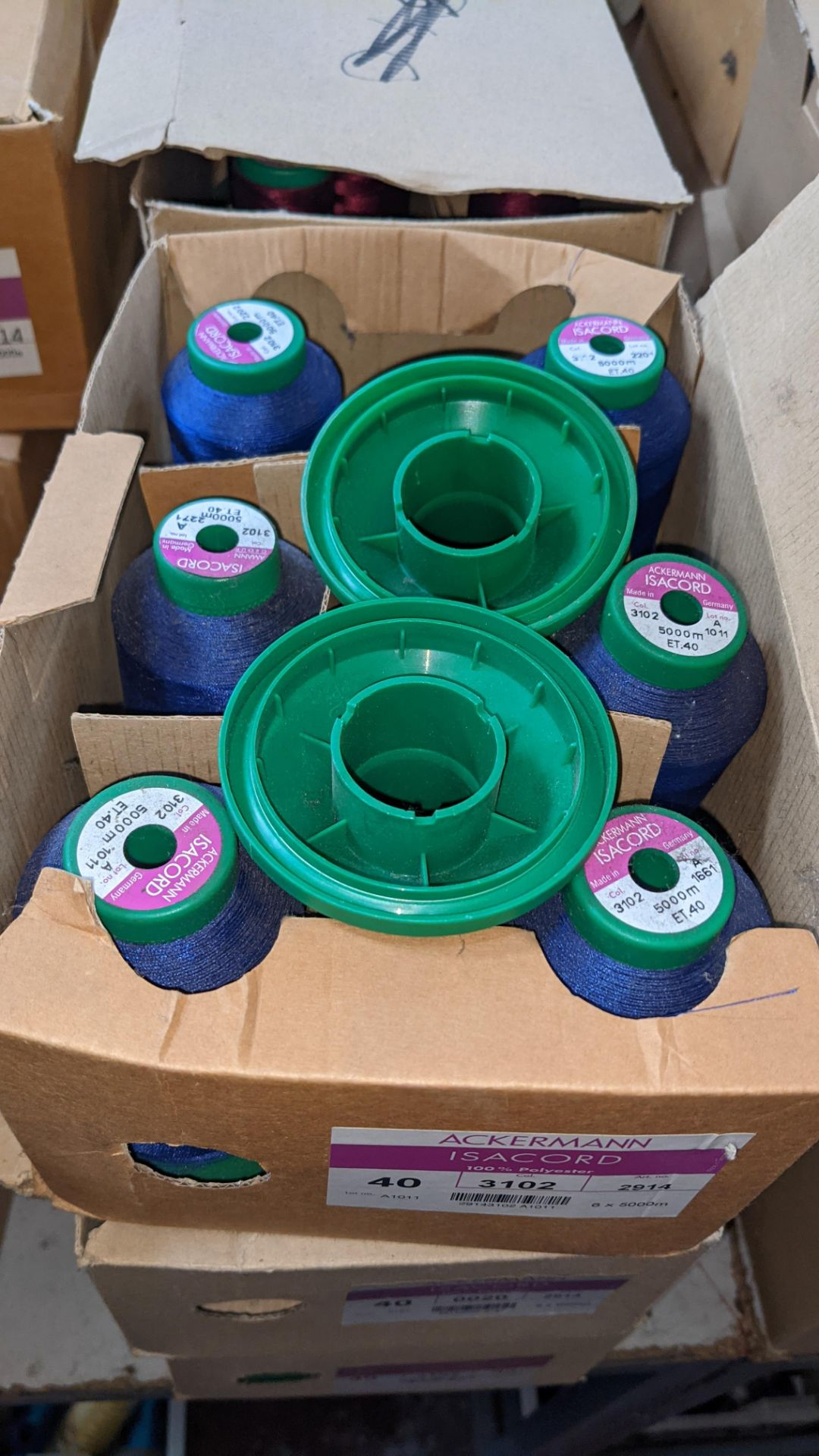 12 boxes of Ackermann Isacord (40) polyester thread - Image 4 of 9
