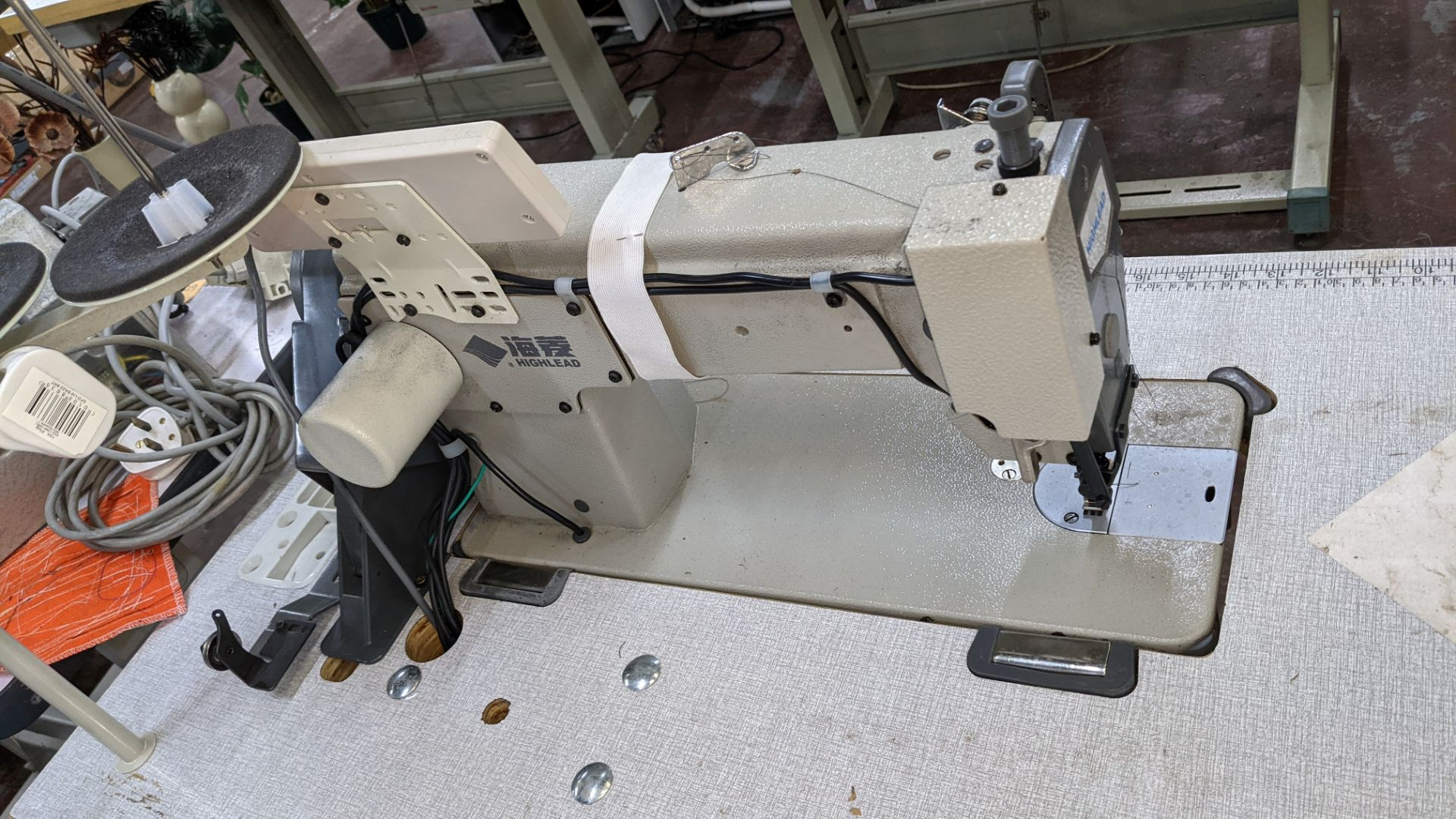 Highlead model GC128-M-D3 sewing machine - Image 13 of 18