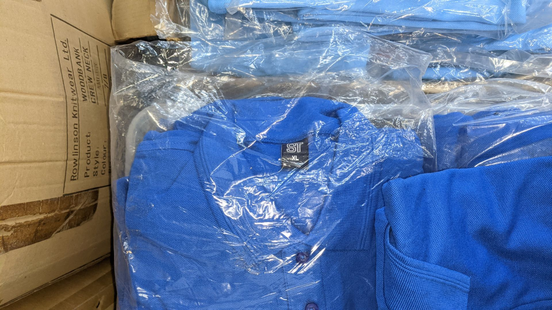 Approx 75 off assorted shades of blue polo shirts - Image 5 of 6