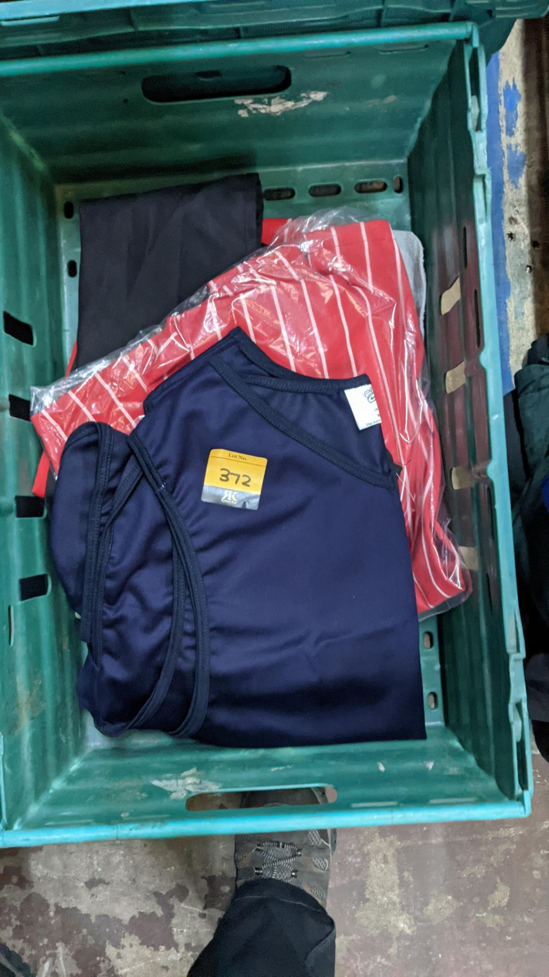 The contents of a crate of assorted aprons & other coveralls - Image 3 of 5