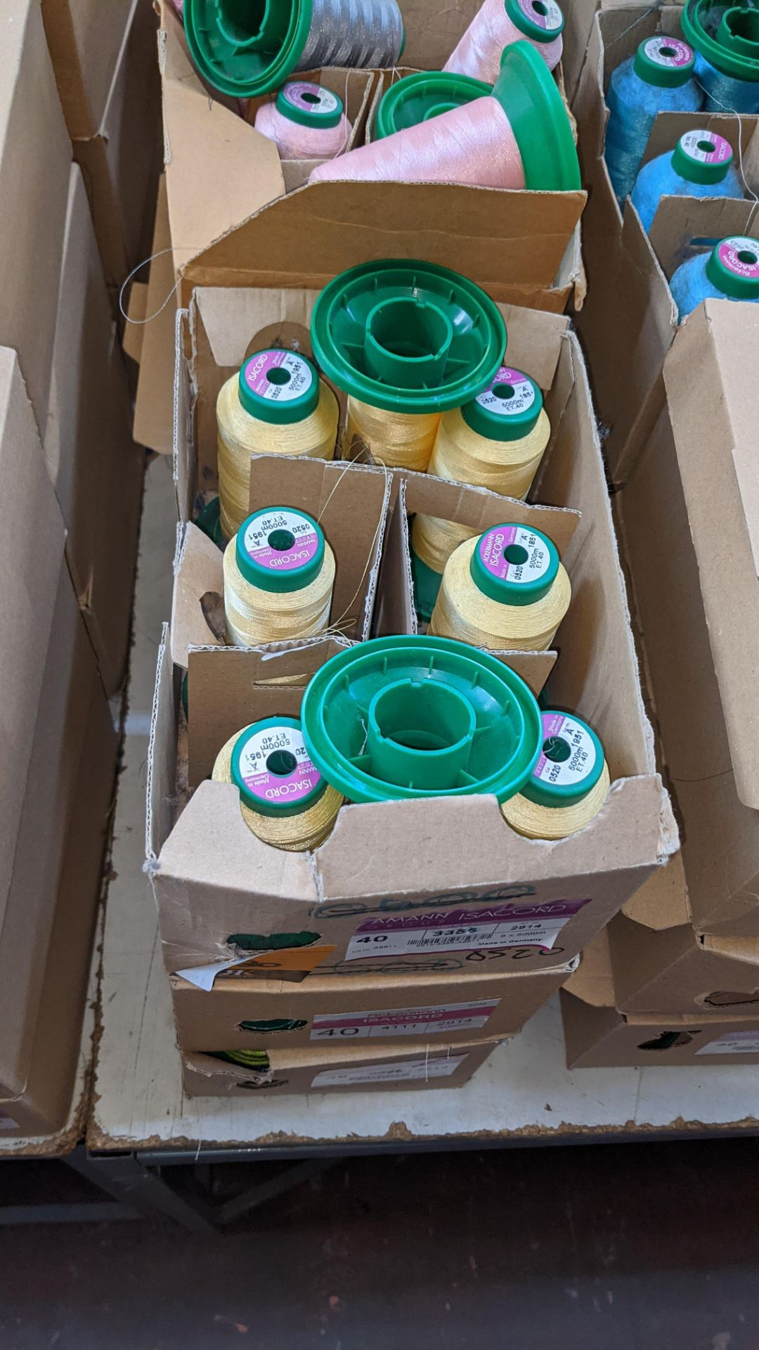 12 boxes of Ackermann Isacord (40) polyester thread - Image 4 of 8