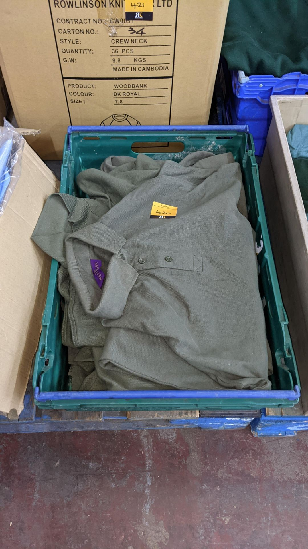 Approx 10 off green polo shirts