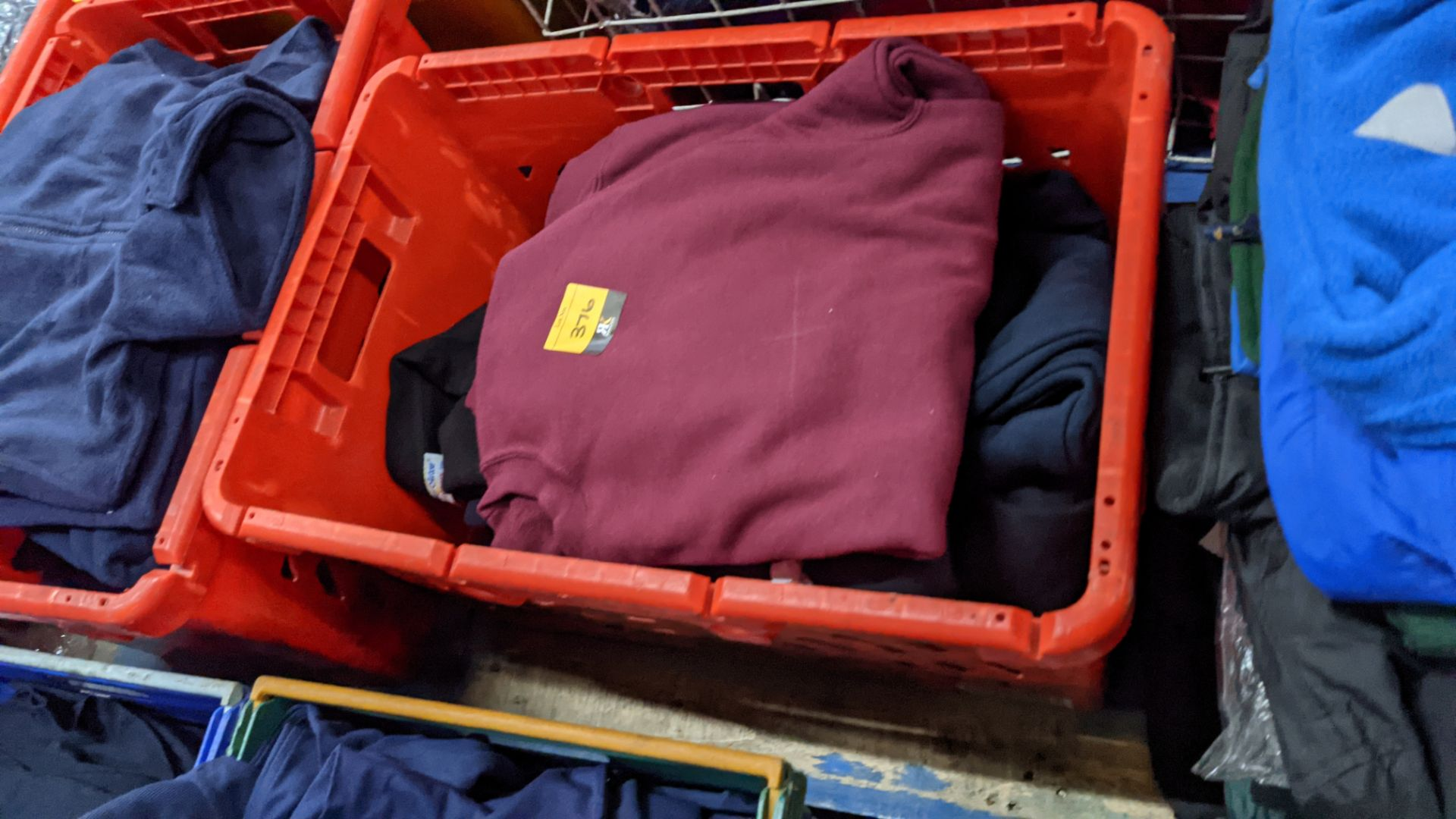 Approx 10 off assorted sweatshirts