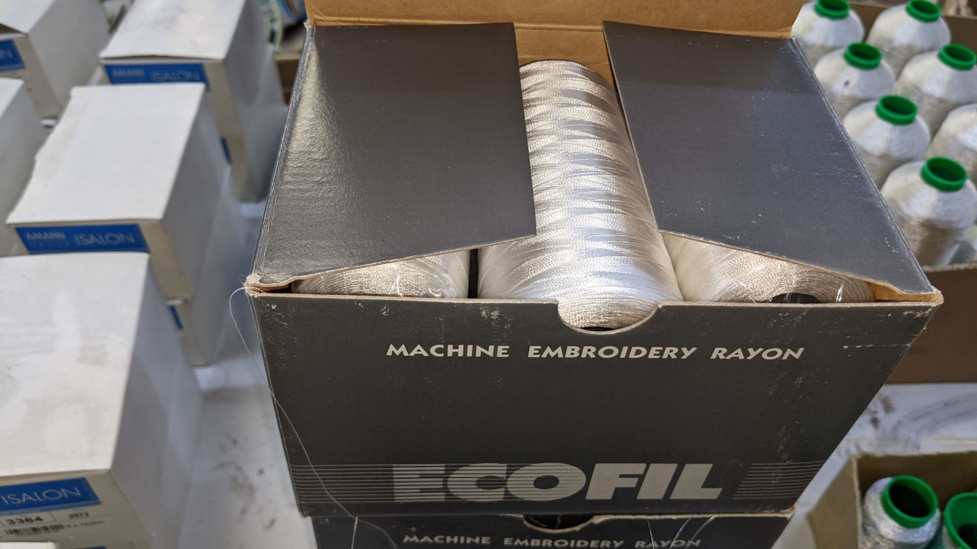 12 boxes of Ecofil rayon machine embroidery thread, all in white - Image 7 of 8