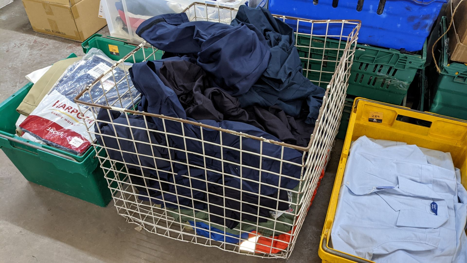 The contents of 1 crate & 1 large cage of assorted workwear jackets & similar. NB crate/cage exclu - Image 11 of 11
