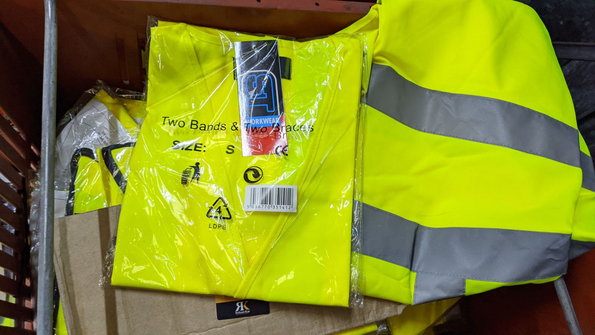 20 off yellow hi-vis vests - Image 3 of 3