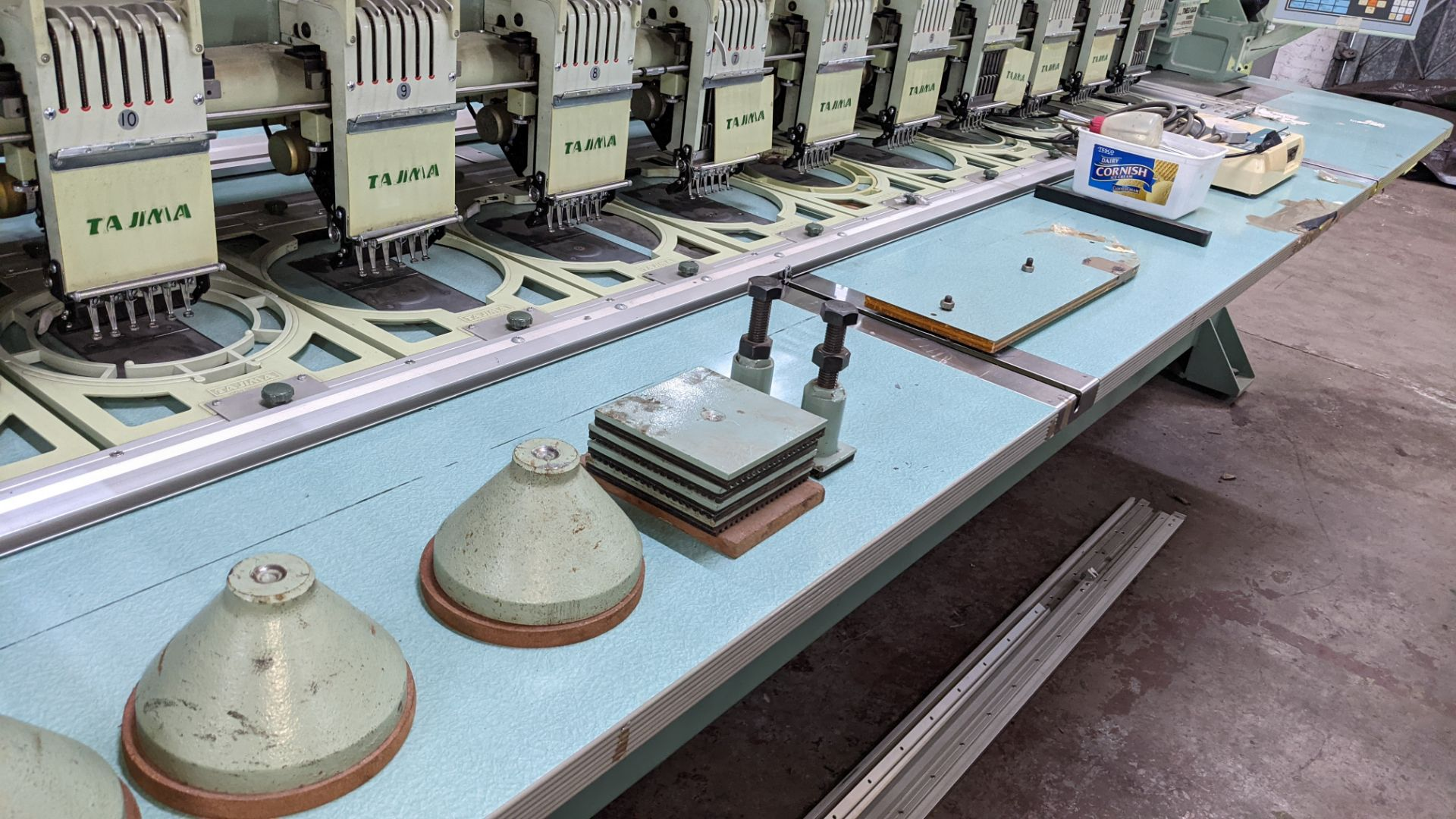 Tokai Tajima electronic 20 head automatic embroidery machine model TMEG-G620, manufacturing number 7 - Image 13 of 19