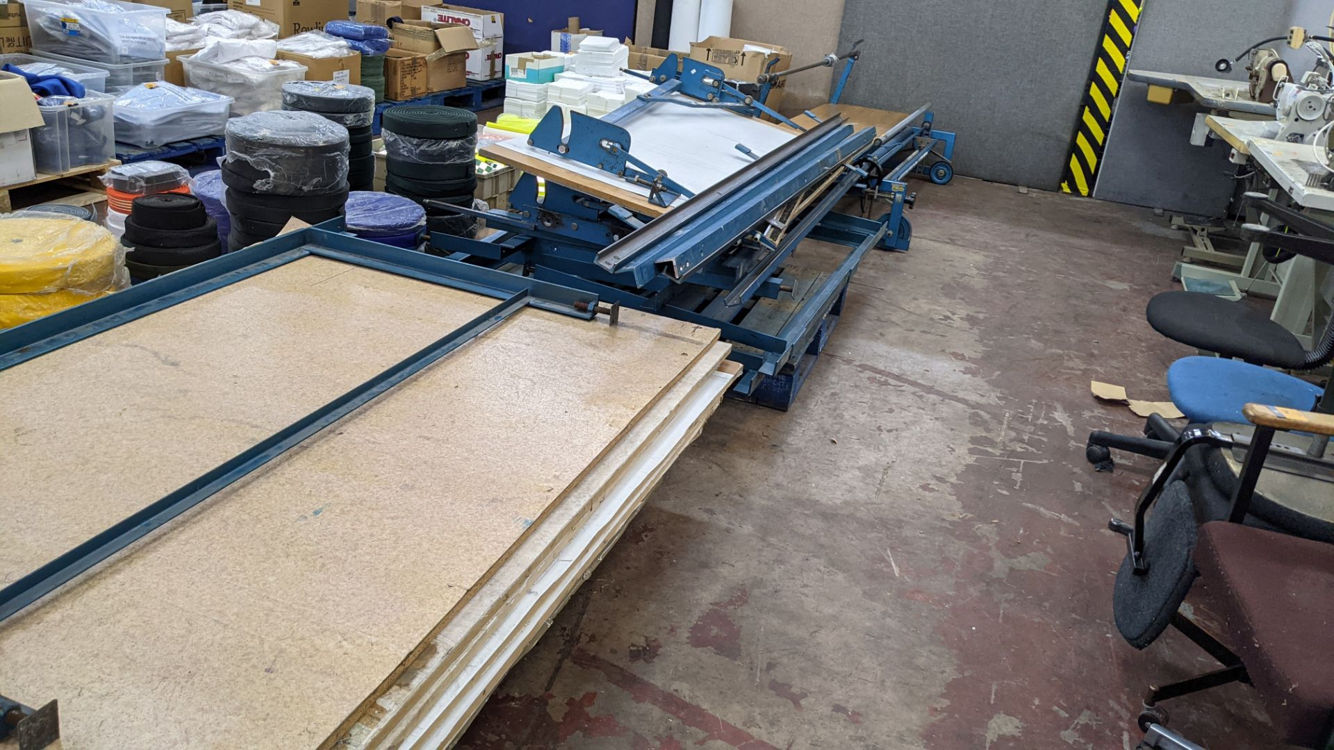 Large cutting table, as shown in 3 stacks. Please note photos taken in situ before the table was de - Image 16 of 16