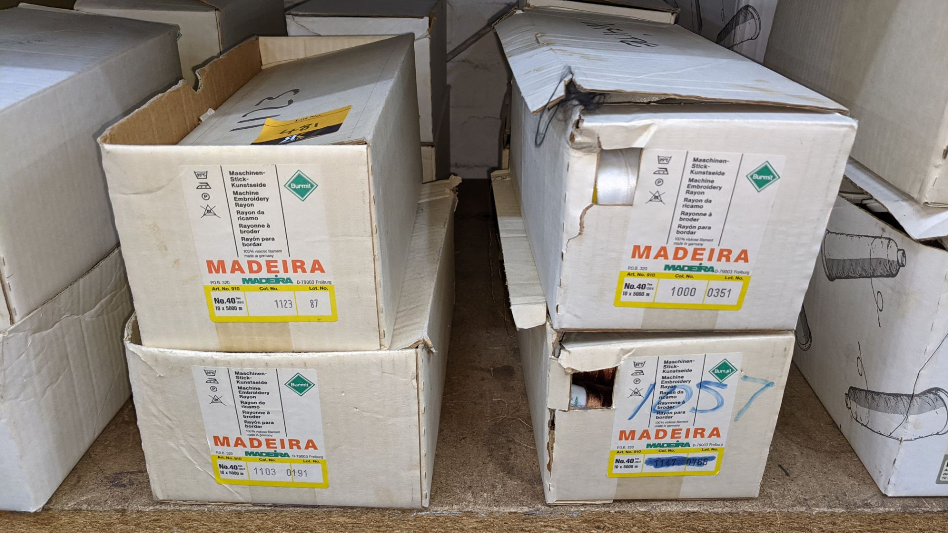 8 boxes of Madeira Burmit No. 40 rayon embroidery thread - Image 3 of 8