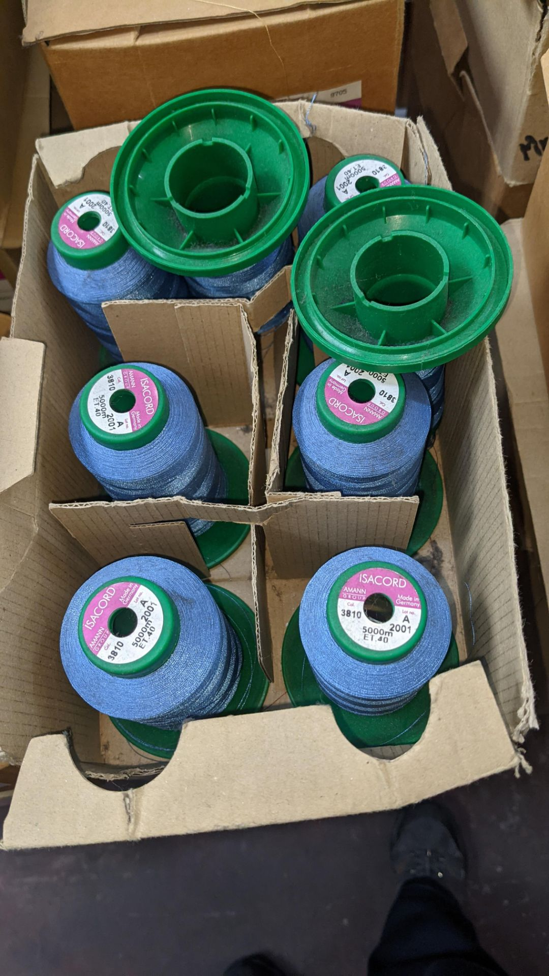 12 boxes of Ackermann Isacord (40) polyester thread - Image 6 of 10