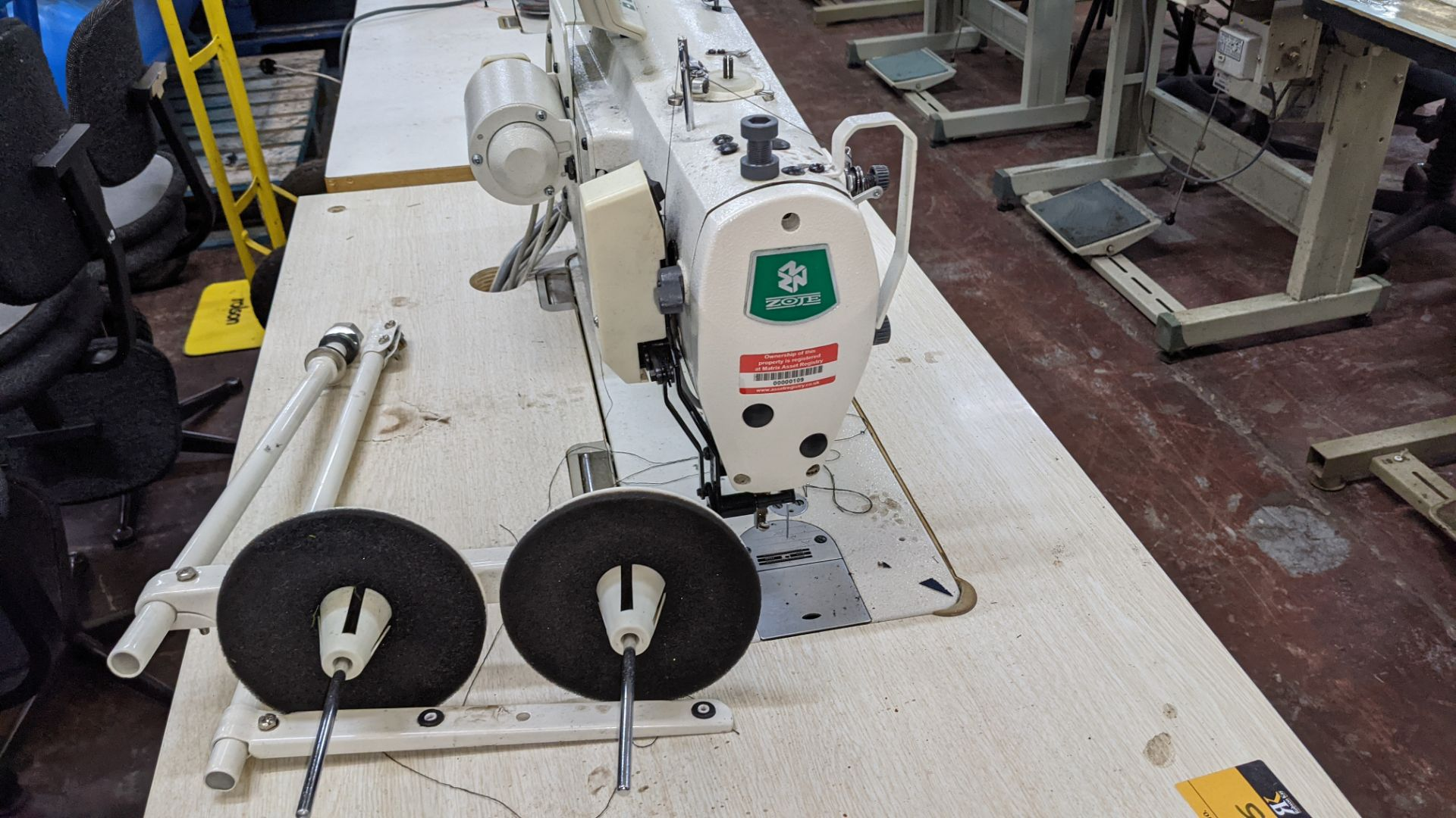 Zoje model ZJ9800A-D3B/PF sewing machine with WR-501 controller - Image 12 of 17