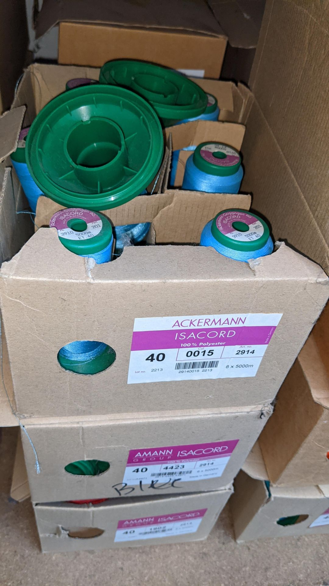 6 boxes of Ackermann & Amann Group Isacord polyester No. 40 embroidery thread - Image 4 of 6