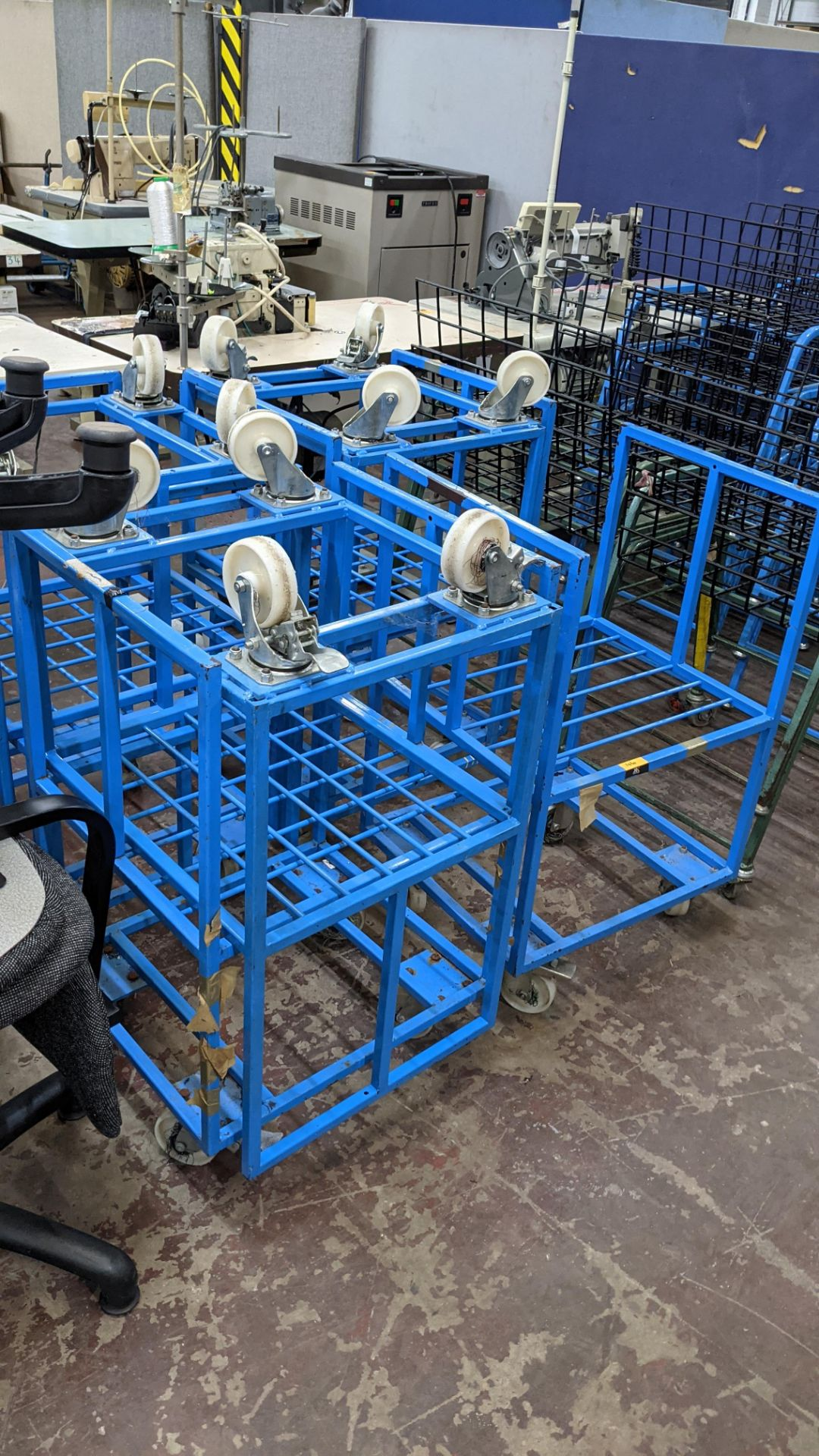 7 off blue mobile trollies - Image 4 of 6