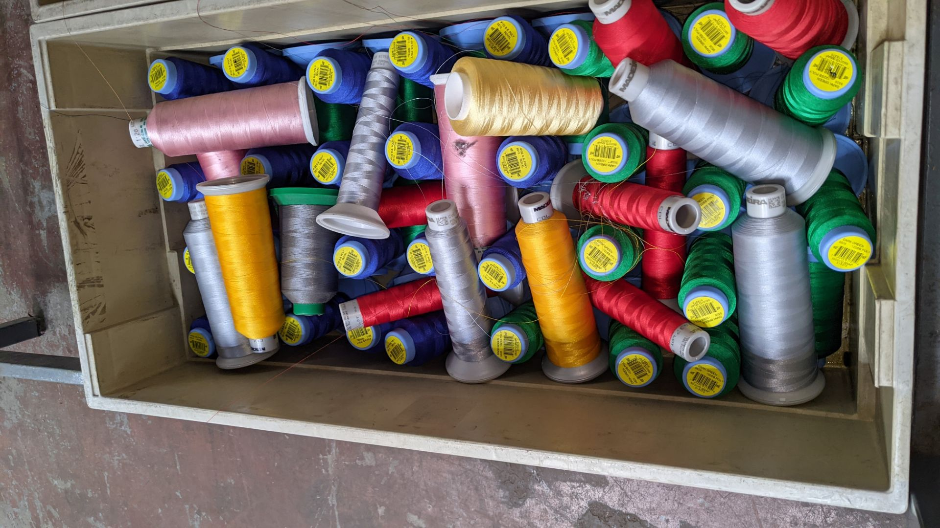 The contents of 3 large crates of assorted embroidery thread - Image 3 of 5