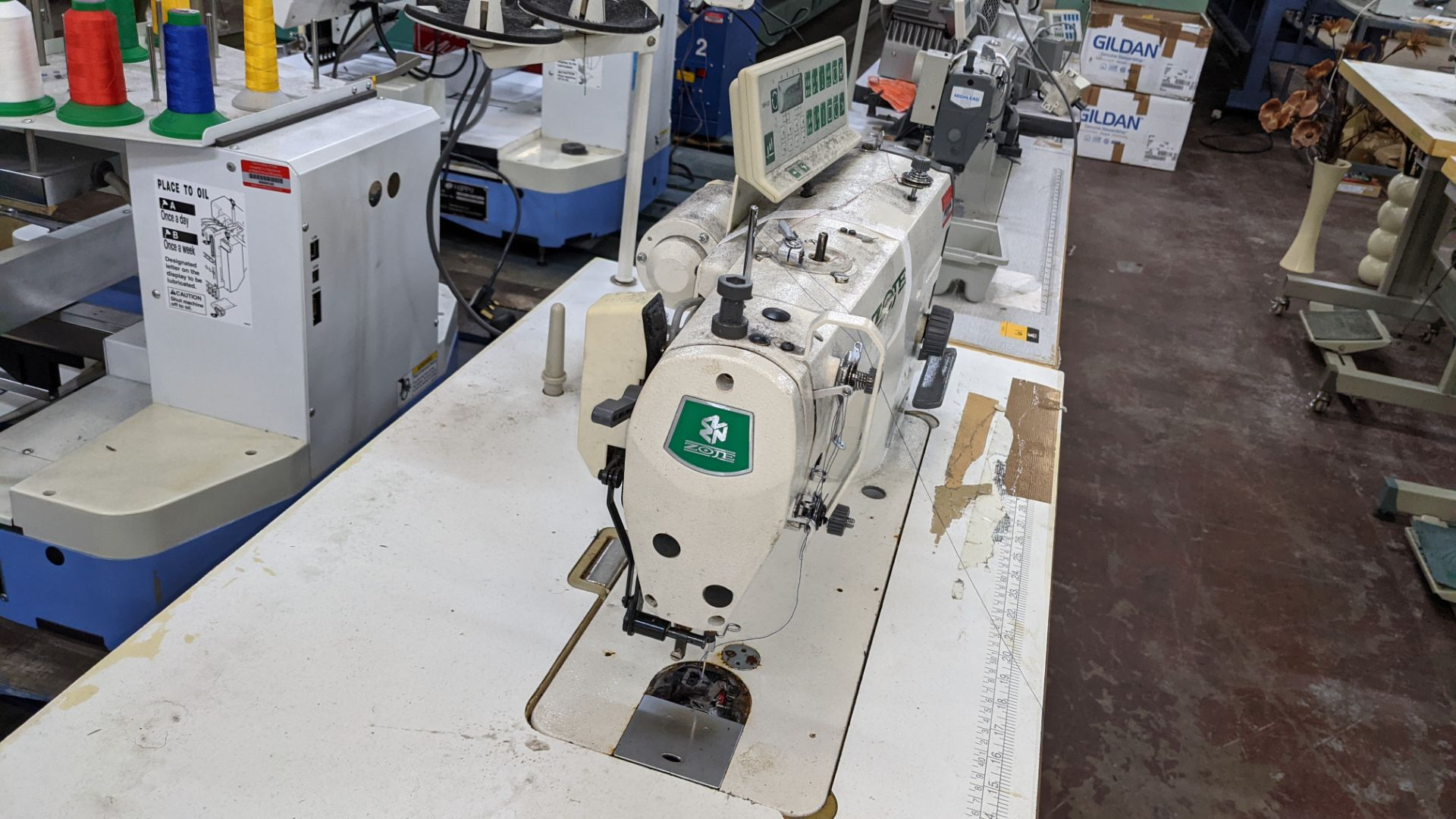 Zoje model ZJ9800A-D3B/PF sewing machine with WR-501 controller - Image 10 of 16