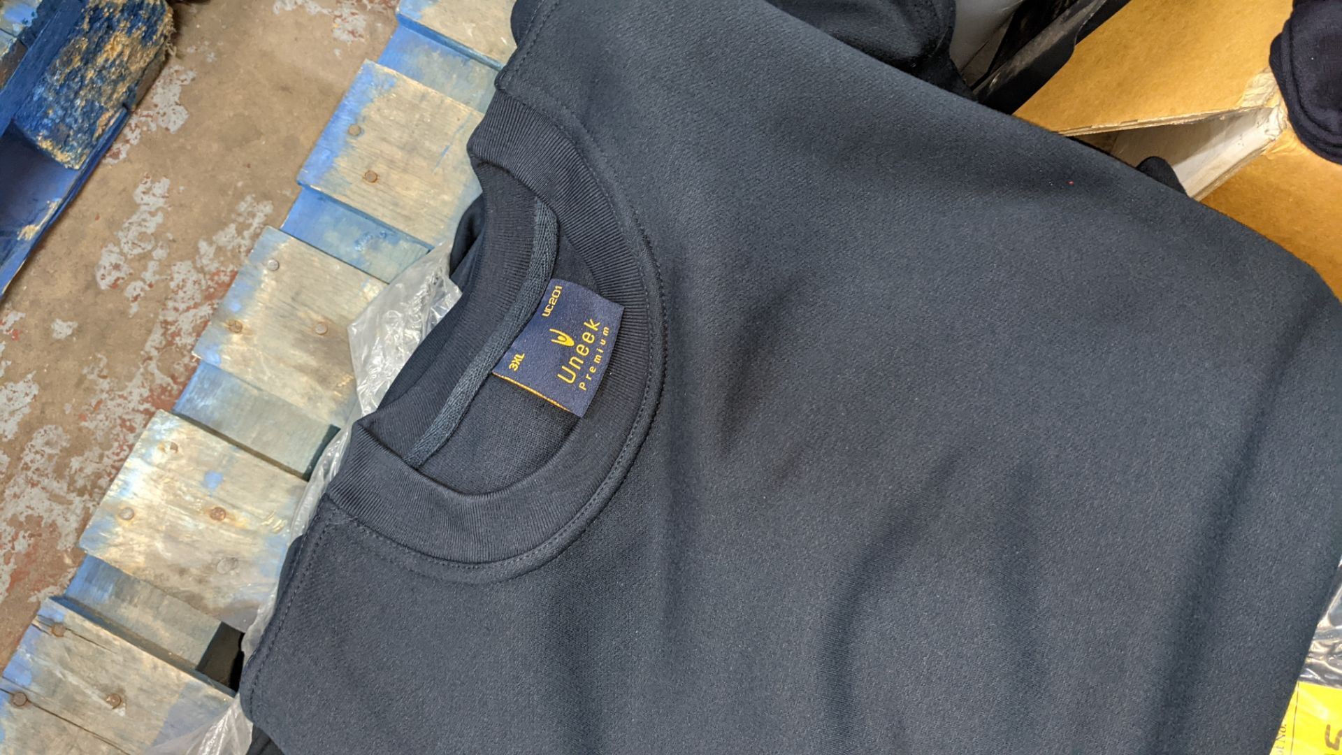 Approx 15 off Uneek dark blue sweatshirts - 2 bags - Image 4 of 5