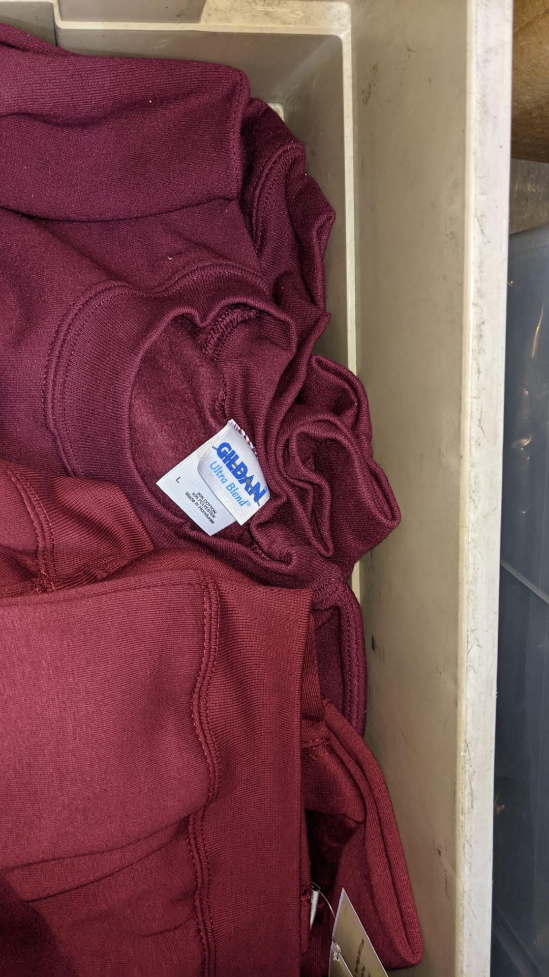 Approx 10 off assorted children's burgundy/red t-shirts & sweatshirts - the contents of 1 crate. NB - Image 4 of 4