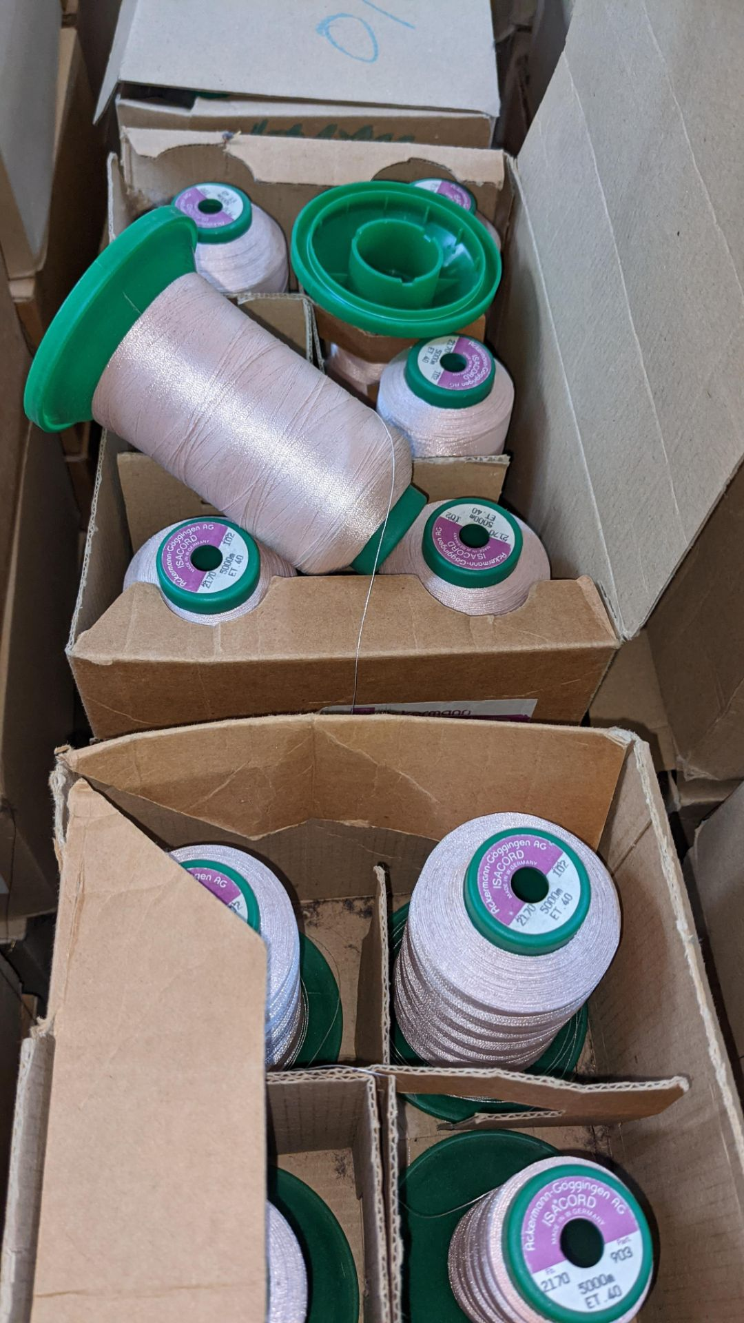 12 boxes of Ackermann Isacord (40) polyester thread - Image 6 of 8