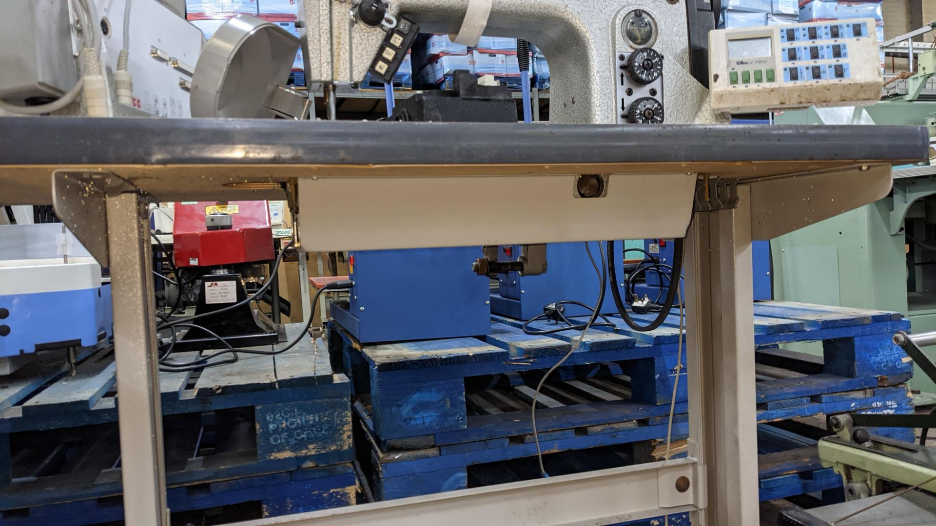 Durkopp Adler type 0271-L40042 sewing machine - Image 18 of 19