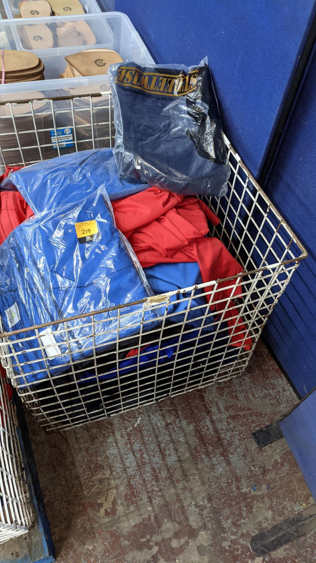 The contents of a cage of assorted work clothing. NB cage excluded - Image 3 of 8