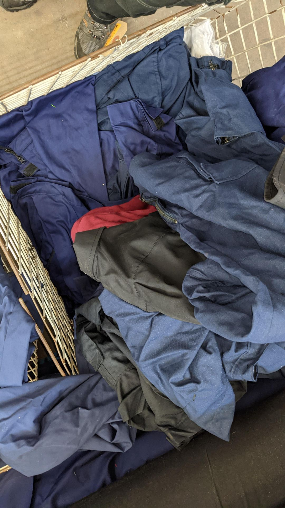 The contents of a cage of workwear & overalls - Image 6 of 6