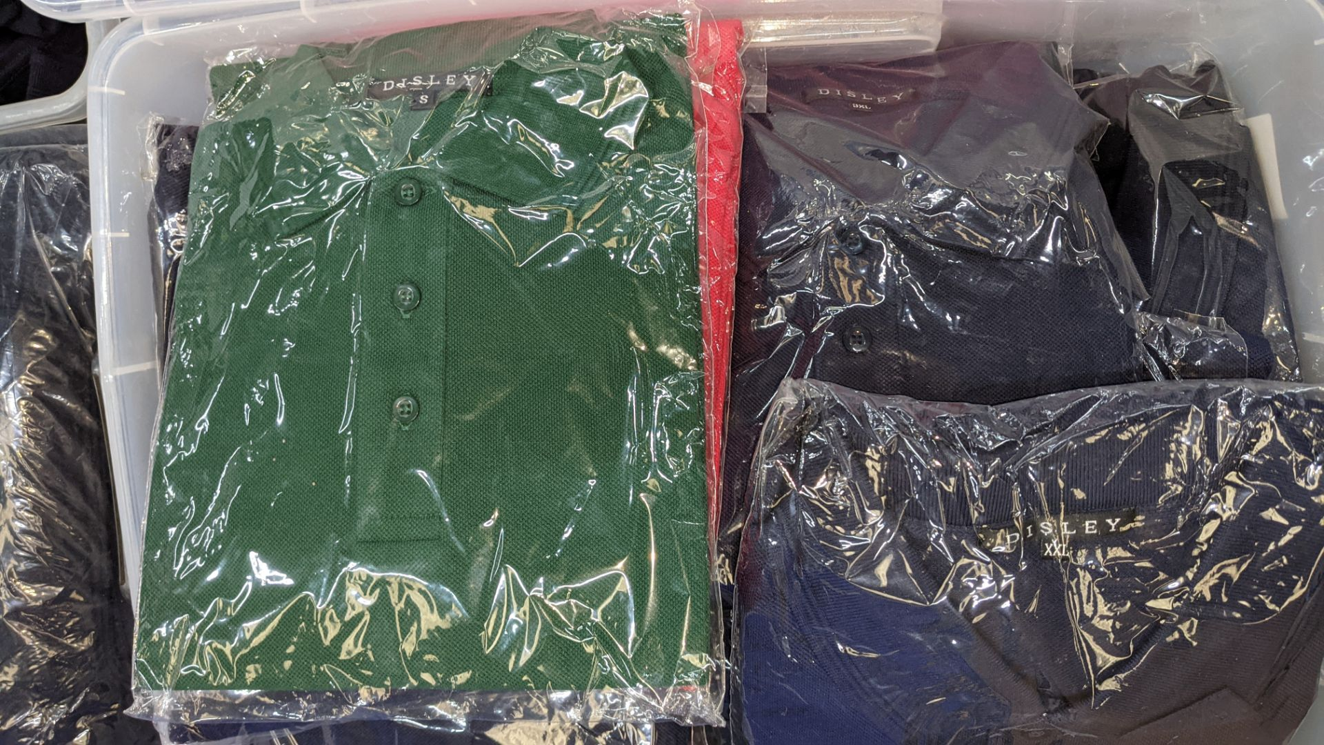 Large quantity of assorted polo shirts - the contents of 1 large crate. NB crate excluded - Image 4 of 5