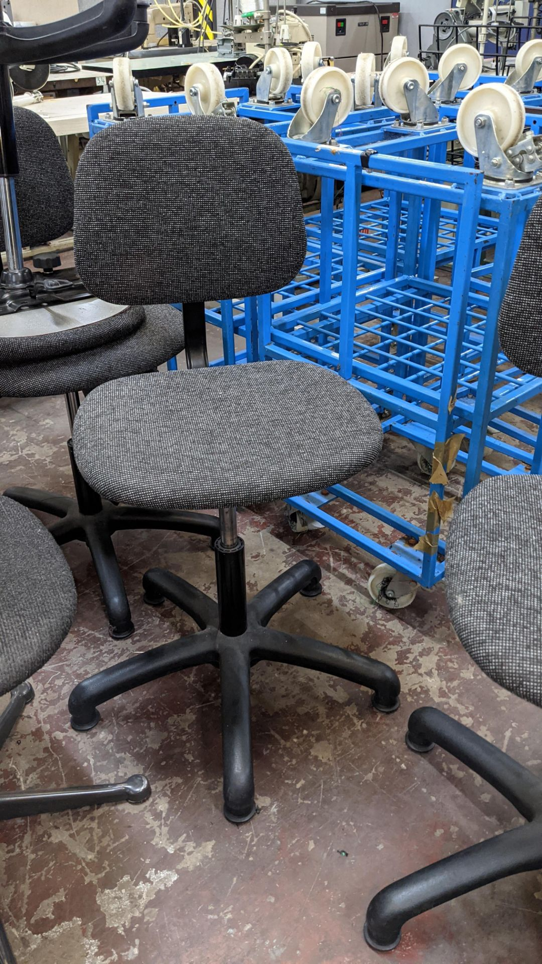 4 off matching machinists chairs - Image 5 of 7