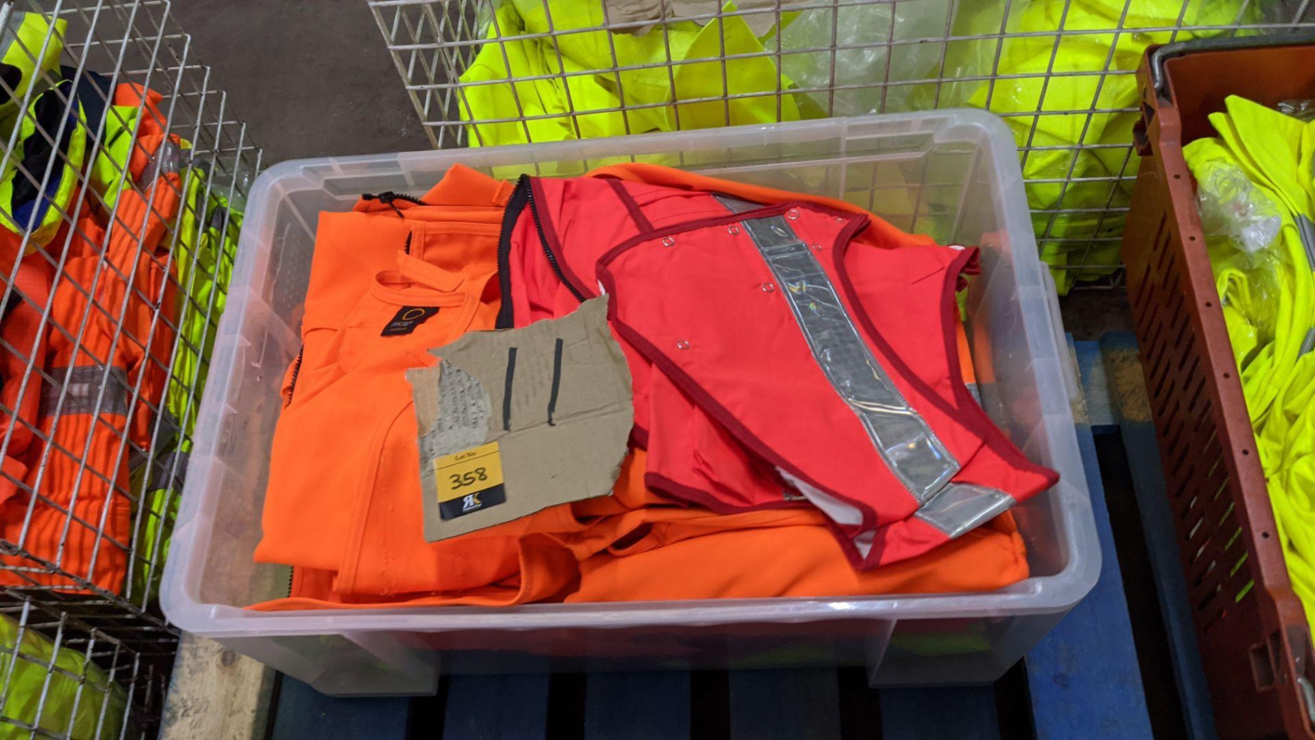 11 off assorted hi-vis garments - Image 3 of 4