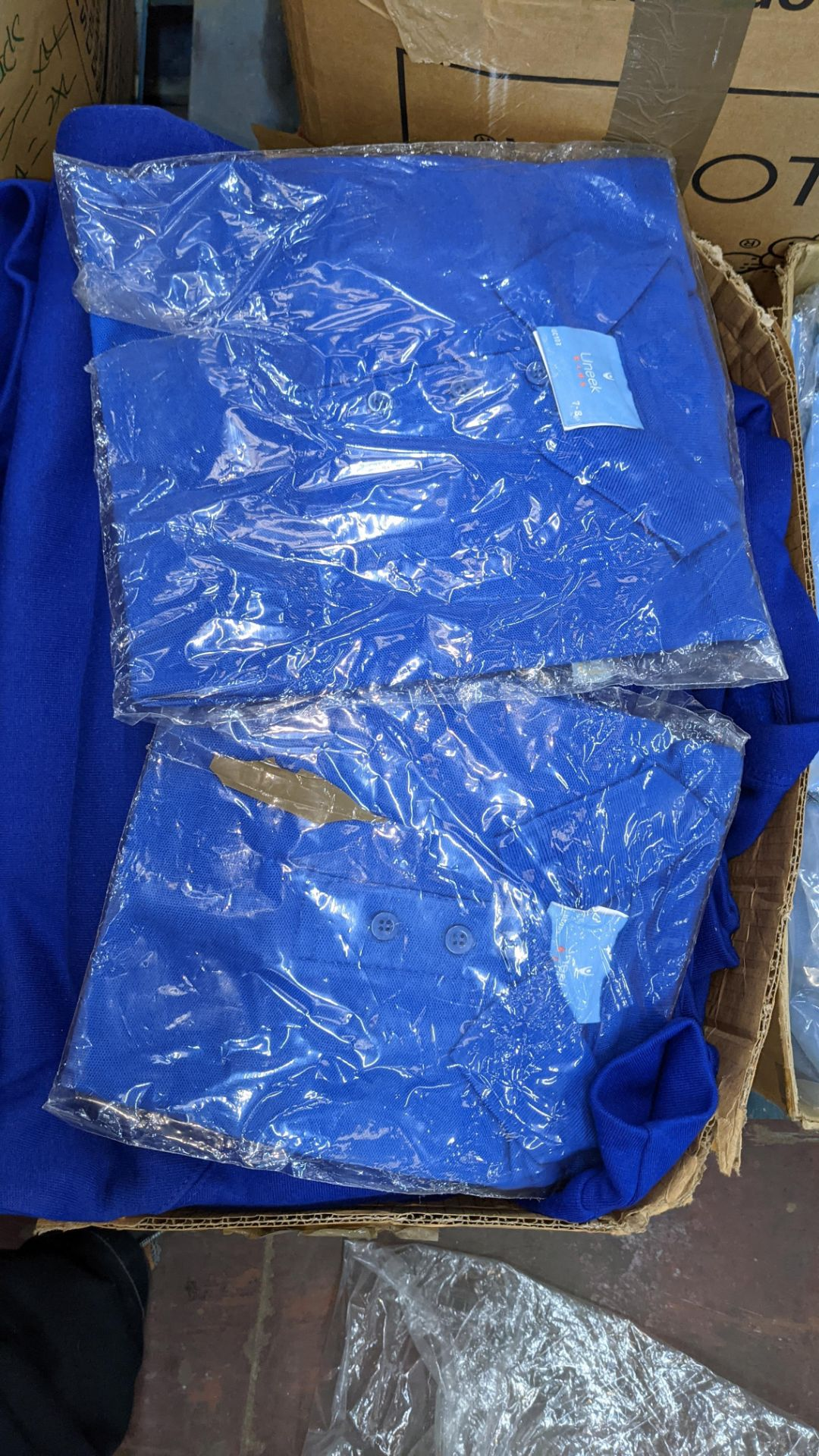 Approx 24 off mixed children's t-shirts, jumpers & cardigans - Image 3 of 5